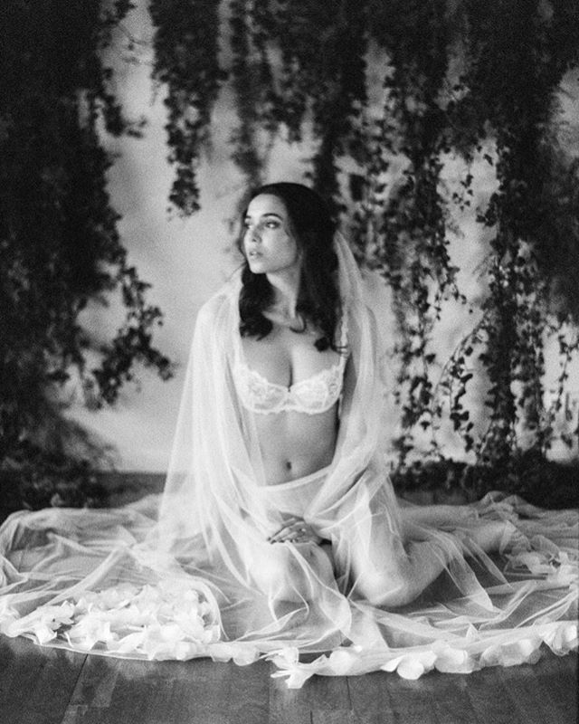 To every bride and woman.  Celebrate your body just the way it is.  Do a boudoir for yourself, especially on your wedding day.  You'll feel beautiful, trust me.  Featured in @bajanwed  photography, concept, planning & calligraphy: @alicevicenteweddings Scan by @carmencitalab  styling: @splendidaweddings flowers: @aliceflorals  make-up & hair: @carladoliveiraweddings model: @inessofiaramos from @centralmodels video: @forlifememories dress & veil: @cathytelle veil & garter: @megantheresecouture shoes: @bellabelleshoes ring: @susiesaltzman headpiece: @catavassalo accessories: @bhldn ringbox: @happyboxesshop
