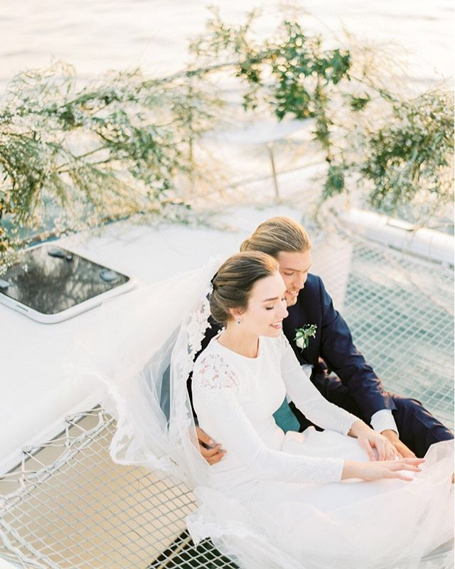 A beautiful inspiration for brides who want to get married in Portugal on a sailing boat.  It will be published in two days at @thewhitewren  Photo: @alicevicenteweddings Planning, styling & coordination: @sublimeluxuryweddings  Venue: @pousadalisboa @pousadasdeportugal Make-up & hair: @vm_makeuphair  Flower designer: @ionrotaruflori  Yatch: @dreamboatsportugal  Engagement ring & jewellery: @wasarmento  Favors: @castelbelporto Wedding cake: @edelweiss_weddingcakes Model agency: @onwaymodels  Models: @maryanacarvallh @fletch_pukall  Stationary: @a_pajarita  Wedding dress, veil & accessories: @pronovias Bridal shoes: @annawalkerpt @pronovias Groom: @ferragamo @giovannigallistore Tablescape: @vistaalegreofficial  Film lab: @carmencitalab  #yachtwedding #destinationweddingphotographer #portugalweddingphotographer #sailingboat #sea #nauticalwedding #weddinginspiration #contax645 #ishootfilm
