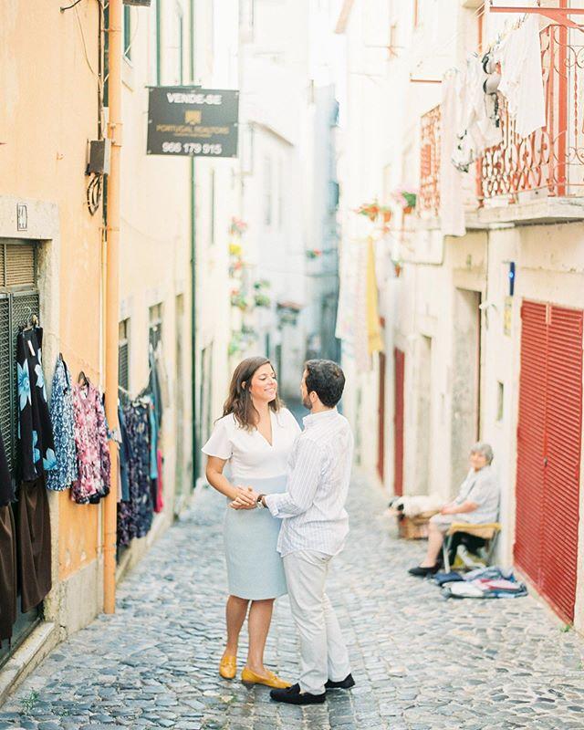 Engagement session in the beautiful streets of Lisbon  Scan @carmencitalab  #lisboa #lisbon #engagementsession #engagement #engagementsessionlisbon #sessaodenoivado #lisbonweddingphotographer #fotografodecasamentolisboa #fotografacasamentoportugal #portugalweddingphotographer #lisbonstreets #azulejo #travellisbon #destinationweddinglisbon #filmphotography #ishootfilm #contax645 #fuji400 #fuji400hpro #fineartfilmphotography #fineartfilmphotographer