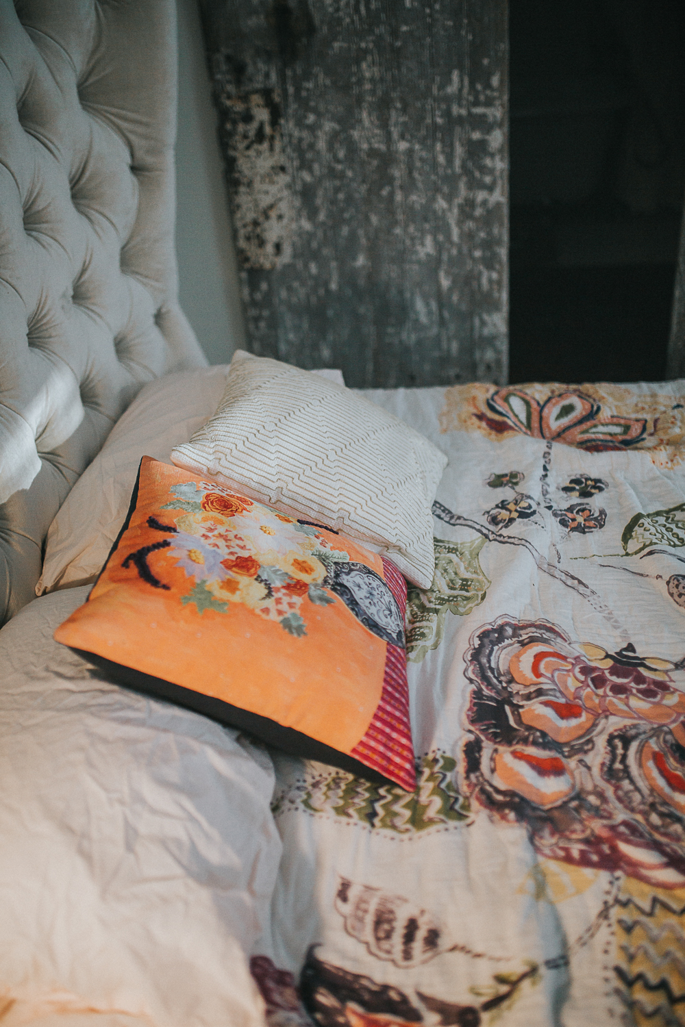 colorful-throw-pillows