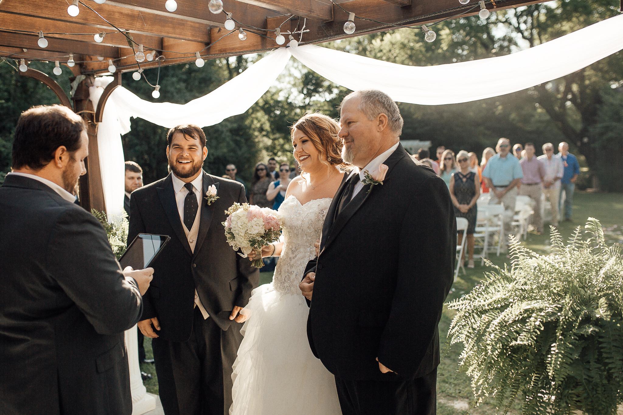 cassie-cook-photography-memphis-wedding-photographer-fountain-south-inn