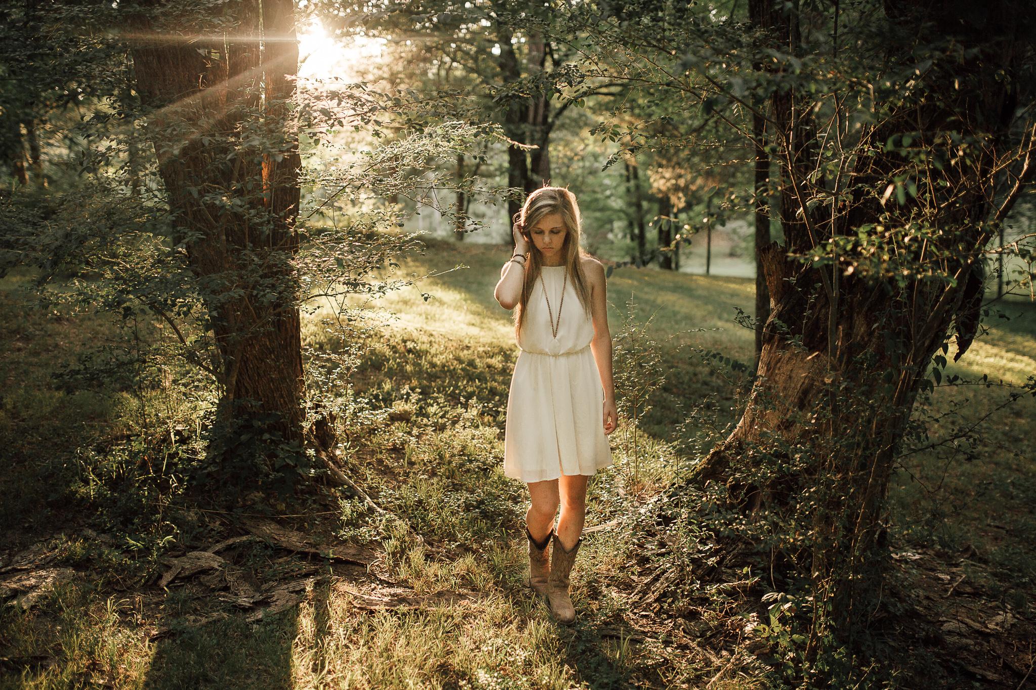 cassie-cook-photography-memphis-senior-portrait-photographer-outdoors-senior-pictures