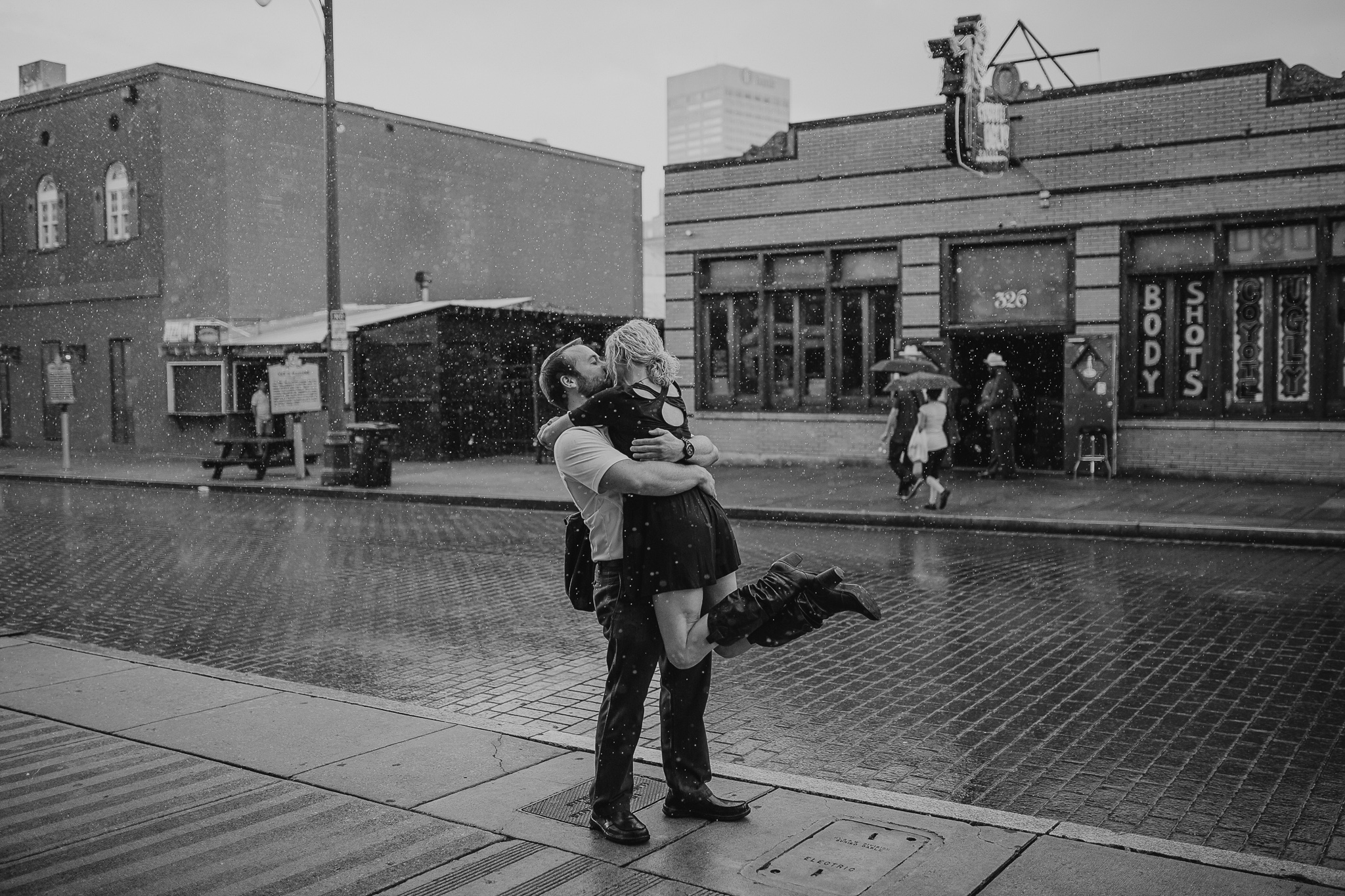 memphis-wedding-photographer-engagement-proposal-downtown-memphis
