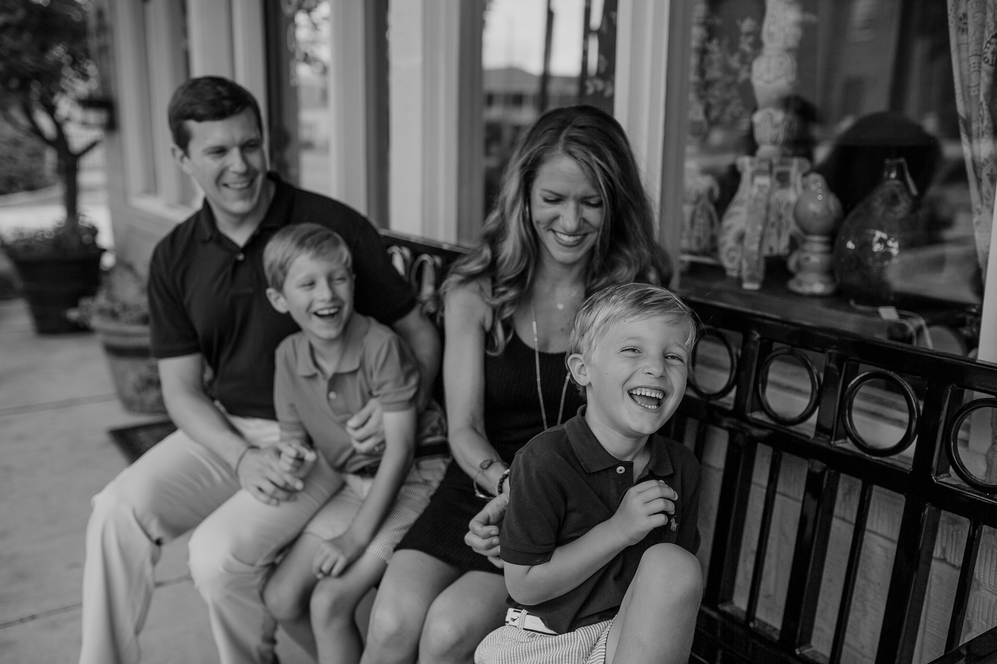 memphis-family-photographer-lifestyle-photographer-hernando-square