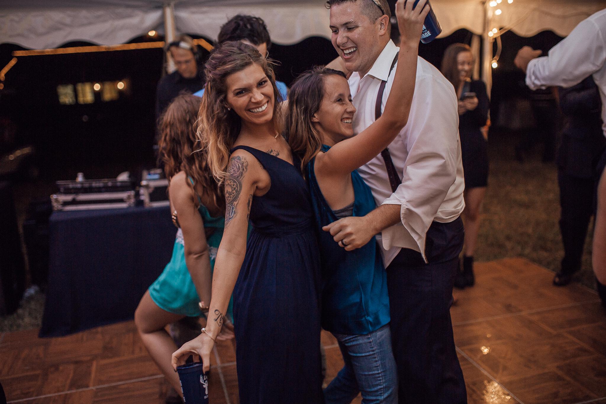 cassie-cook-photography-the-bridge-at-chrisleigh-farm-wedding-reception