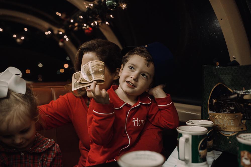 batesville-ms-polar-express-train-ride-documentary-photographer-family-photographer-cassie-cook-photography