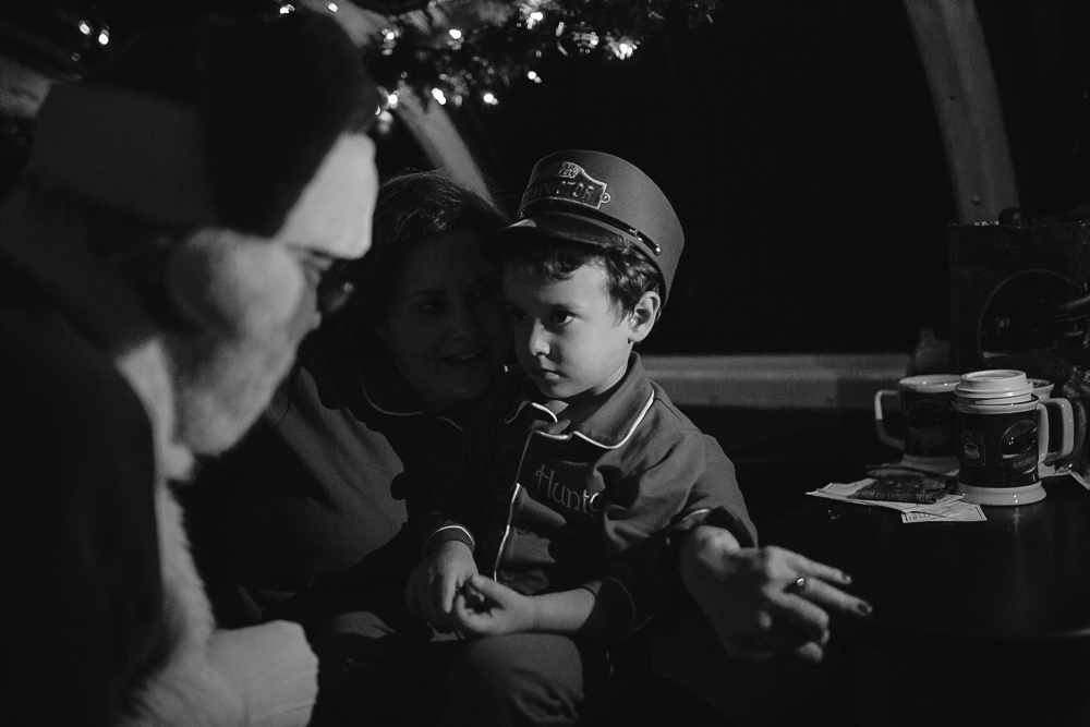 the-polar-express-batesville-ms-train-ride-cassie-cook-photography-documentary-photographer