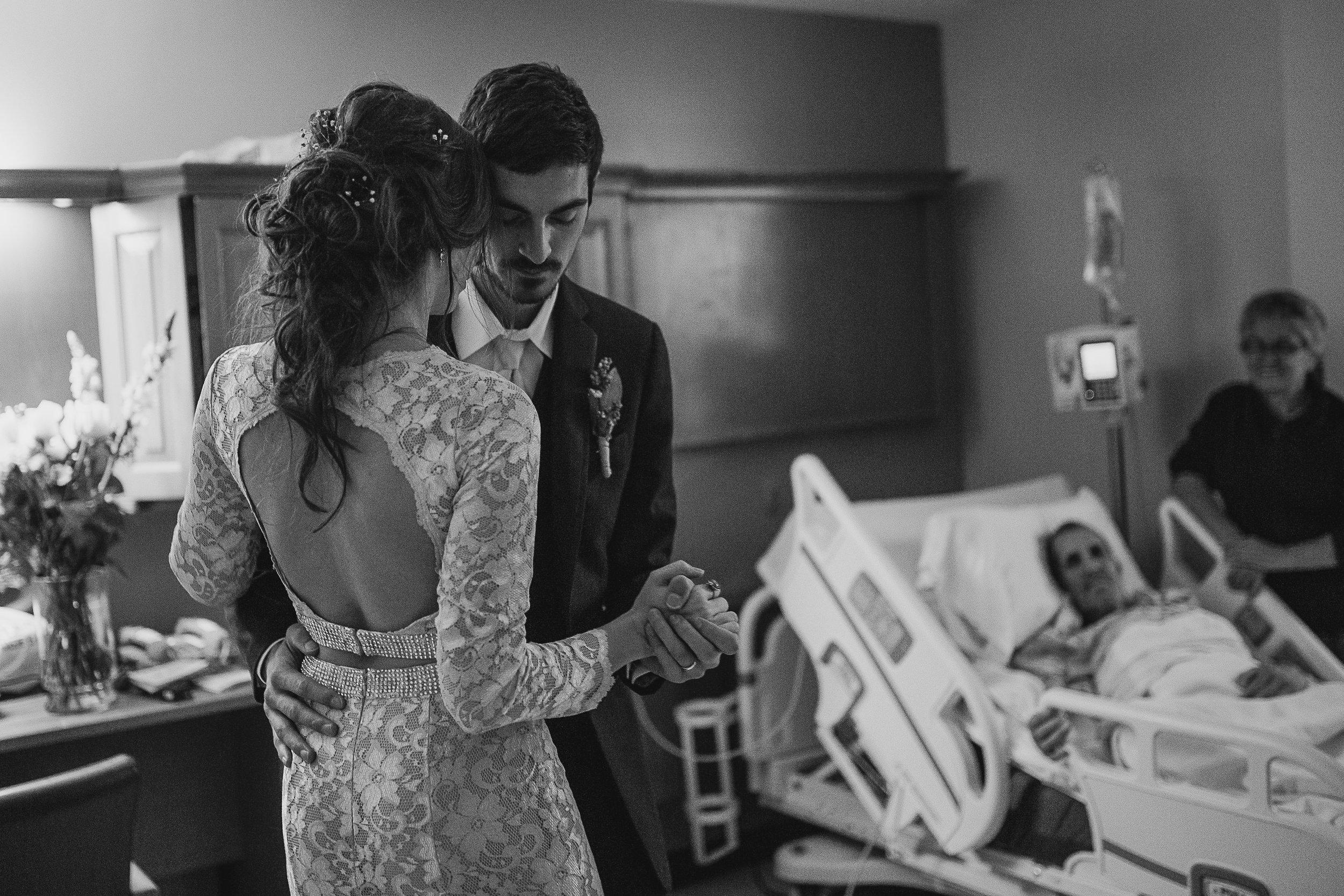 memphis-wedding-photographer-cassie-cook-photography-loya-first-dance