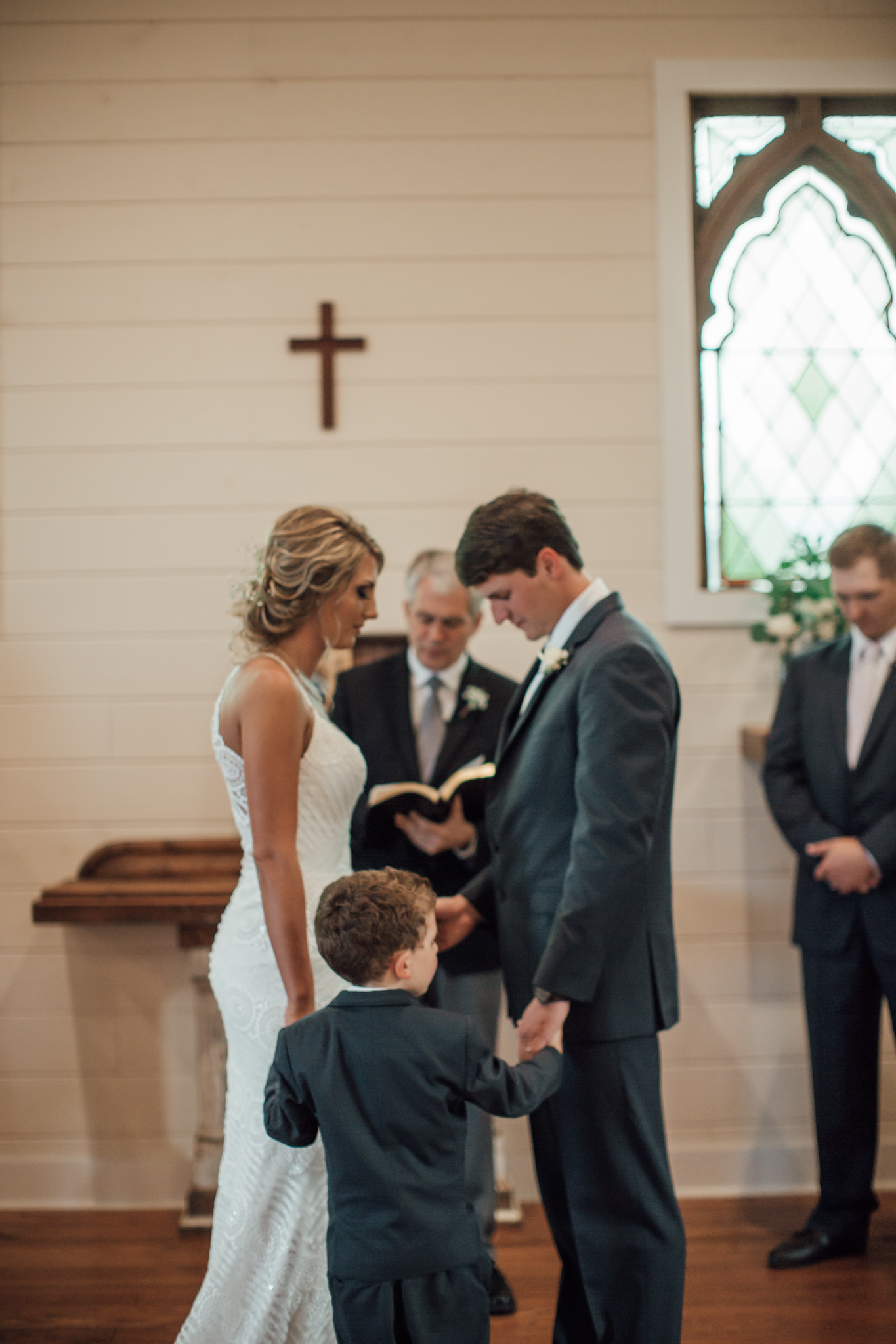 cassie-cook-photography-memphis-wedding-photographer-hedge-farm-wedding-venue-231.jpg