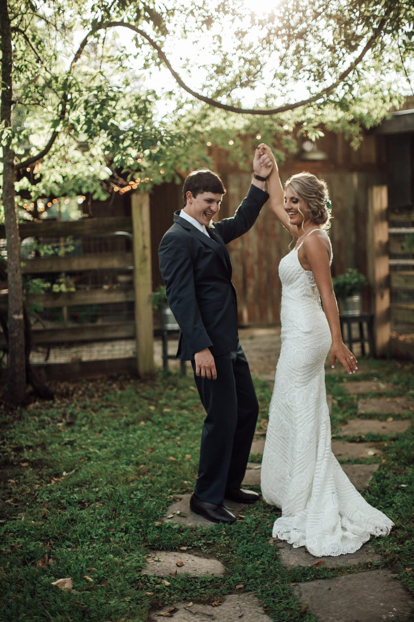 cassie-cook-photography-memphis-wedding-photographer-hedge-farm-wedding-venue-212.jpg
