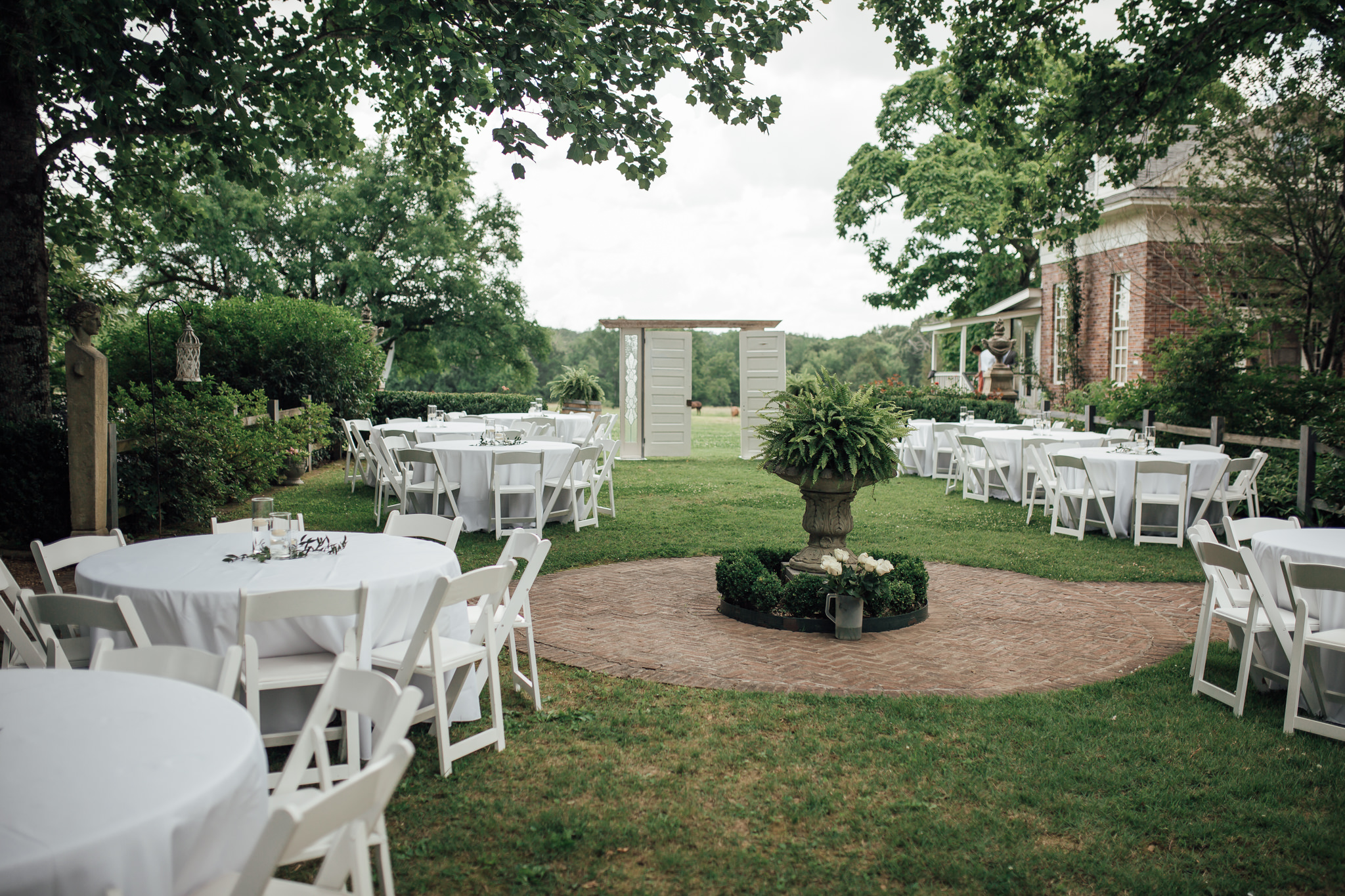 cassie-cook-photography-memphis-wedding-photographer-hedge-farm-wedding-venue-99.jpg
