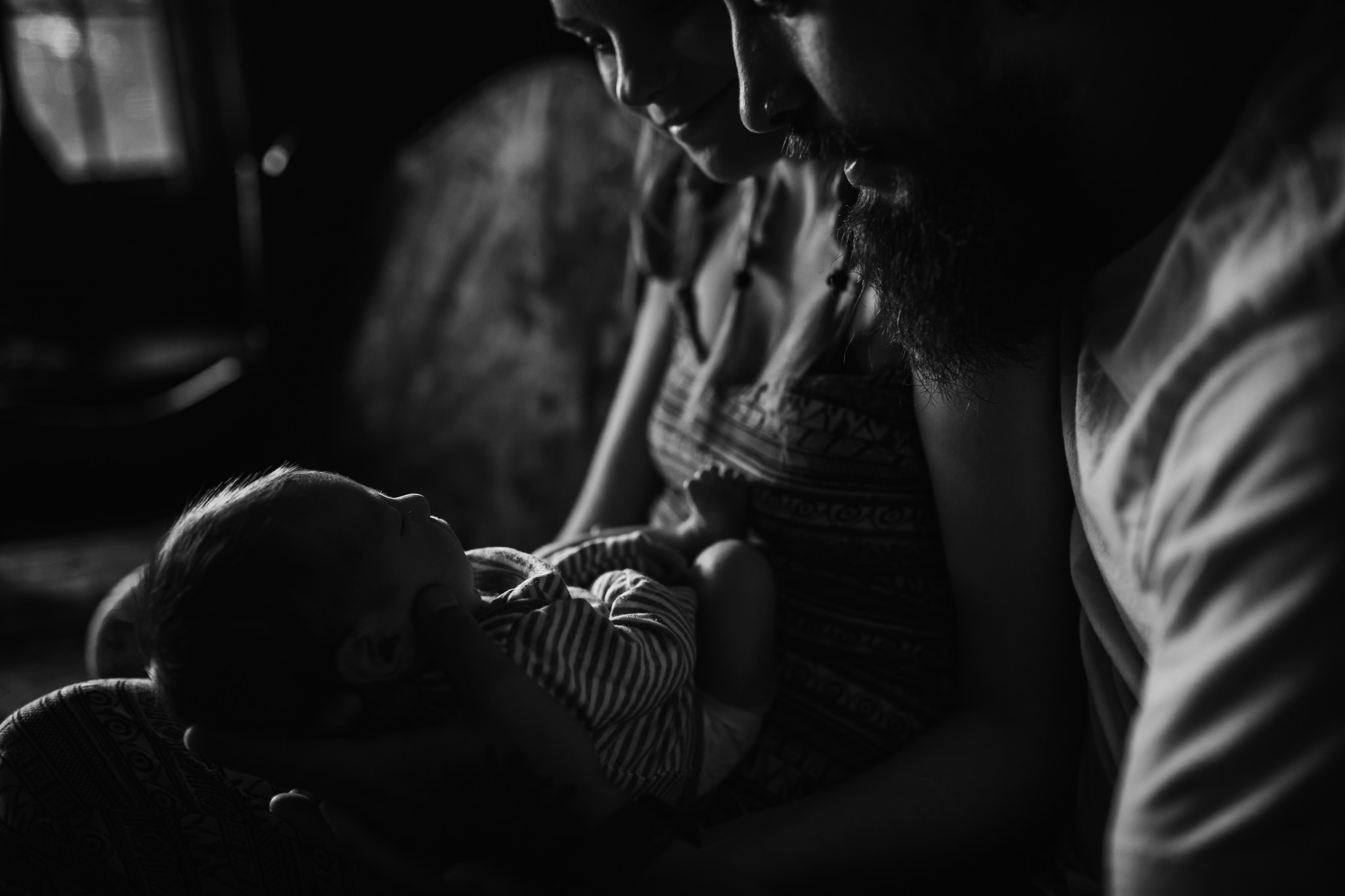 cassie-cook-photography-the-hatches-in-home-session-newborn