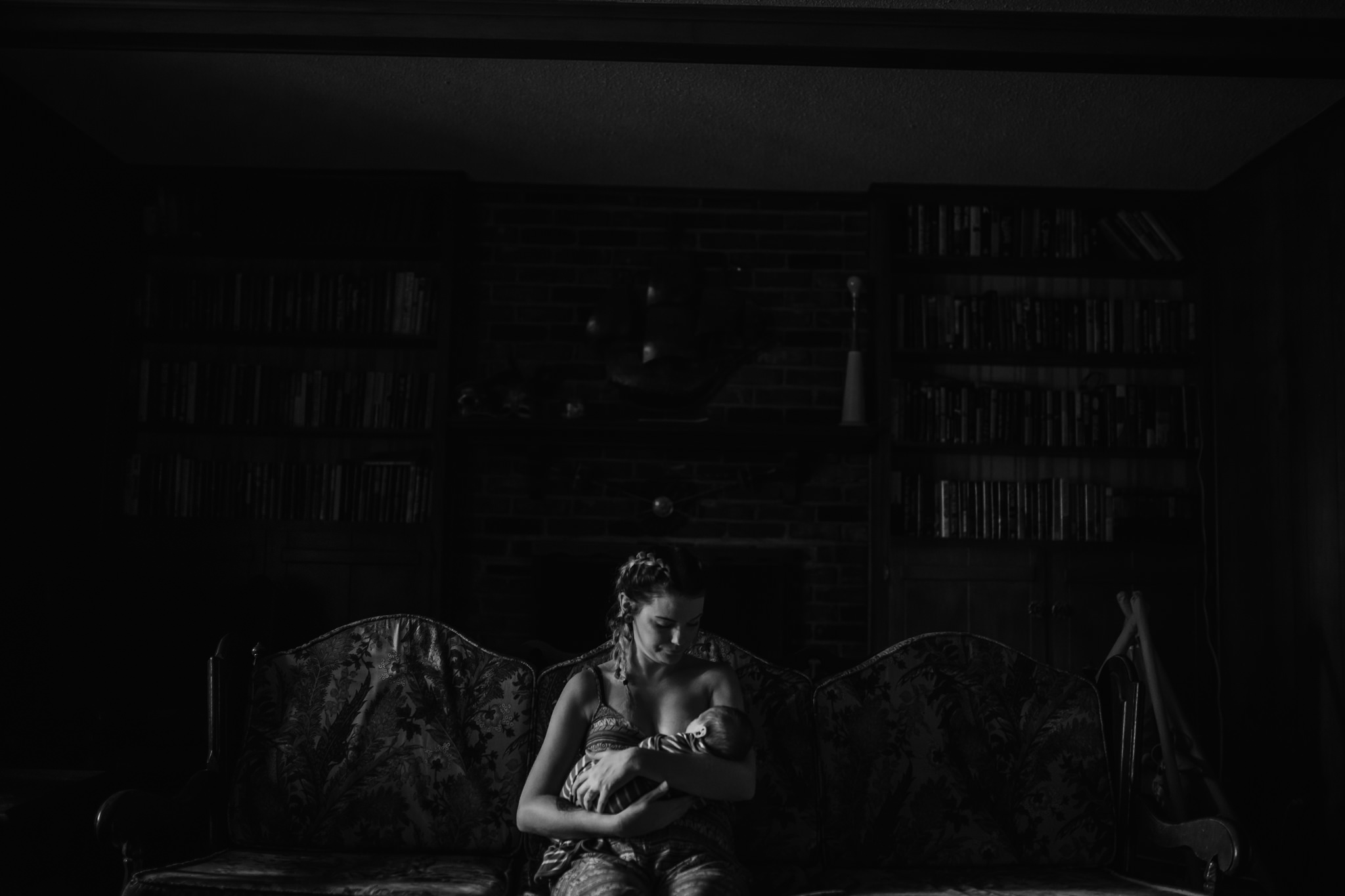 cassie-cook-photography-the-hatches-in-home-newborn-session-1.jpg
