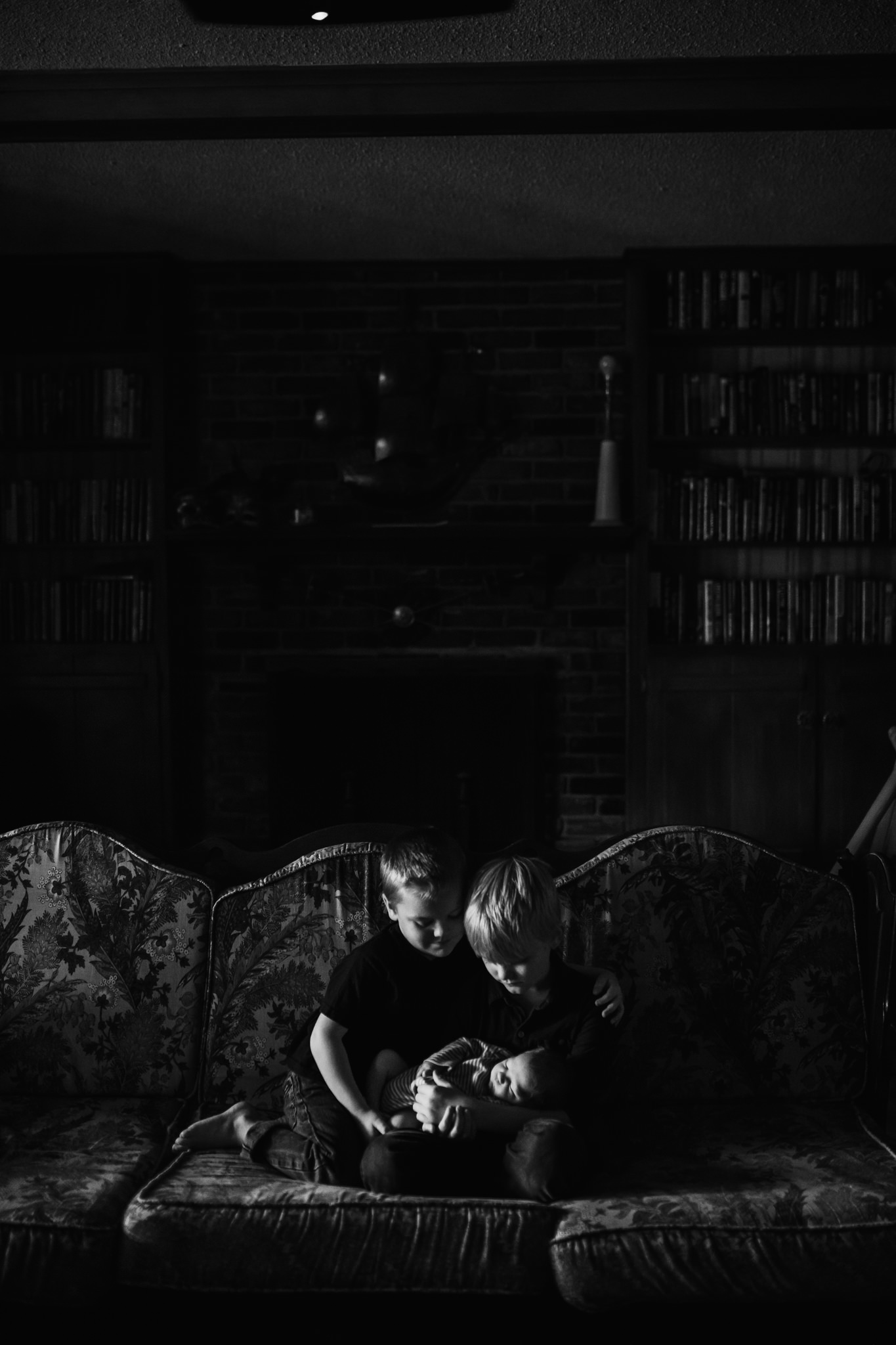 cassie-cook-photography-the-hatches-in-home-newborn-session-10.jpg
