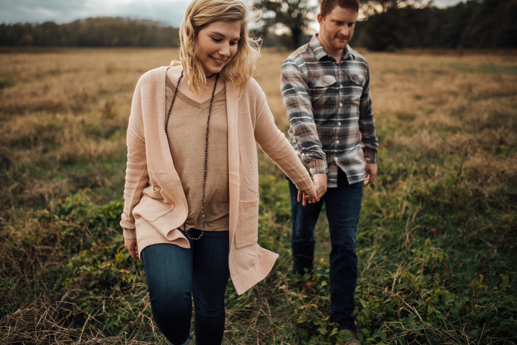 cassie-cook-photography-memphis-wedding-photographer-colorful-fall-engagement-session-autumn-leaves-carter-madison