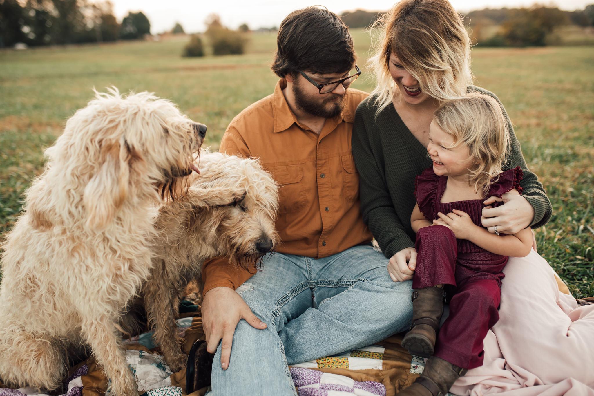 cassie-cook-photography-memphis-family-photographer-lifestyle-family-photographer-sunrise-gray-family-3.jpg
