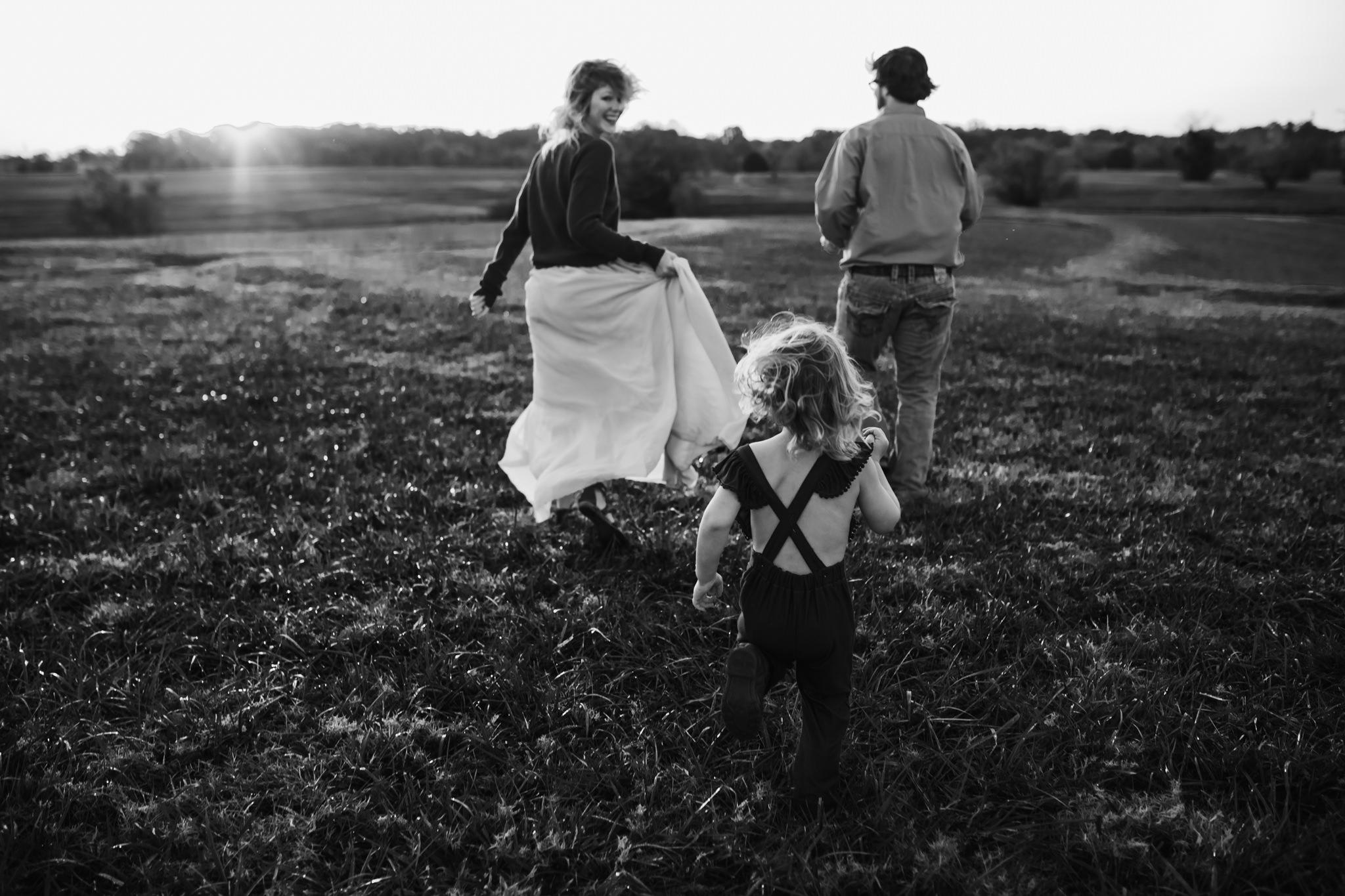 cassie-cook-photography-memphis-family-photographer-lifestyle-family-photographer-sunrise-gray-family-15.jpg