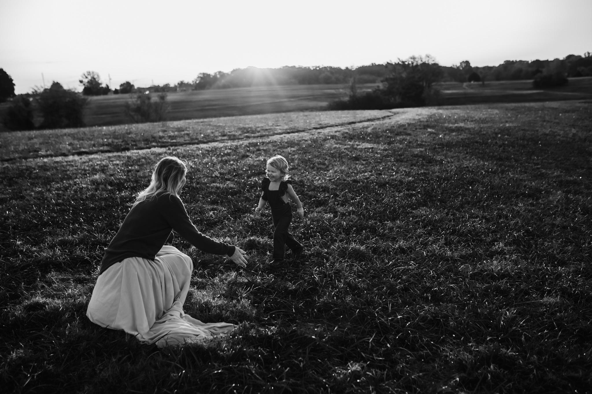 cassie-cook-photography-memphis-family-photographer-lifestyle-family-photographer-sunrise-gray-family-24.jpg