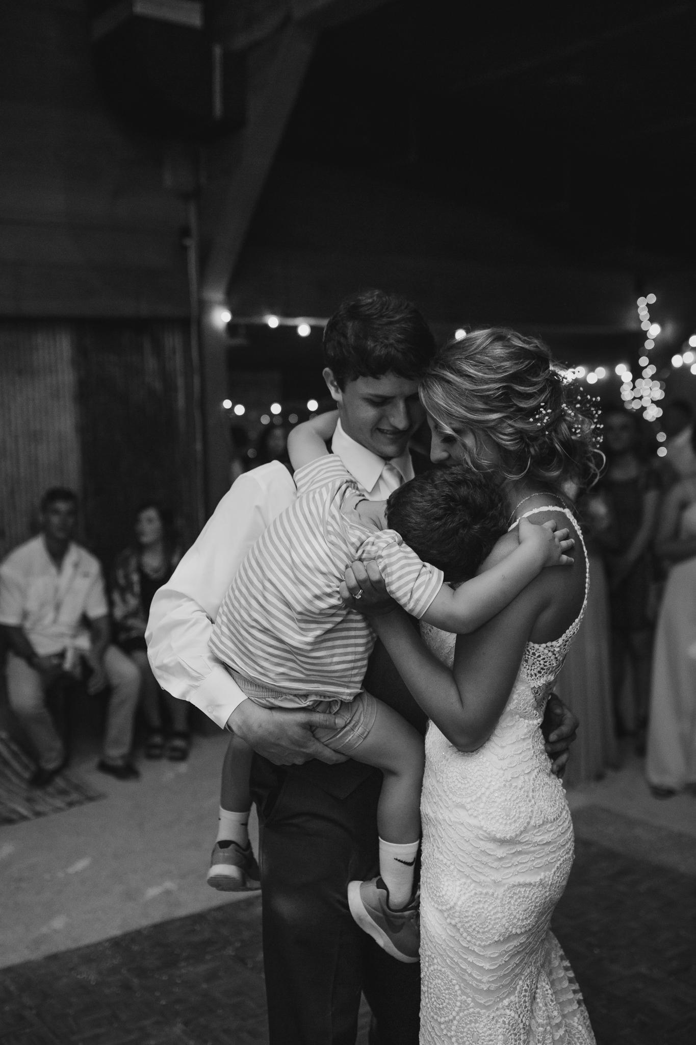 cassie-cook-photography-memphis-wedding-photographer-the-chapel-at-plein-air-sneed-wedding-57.jpg