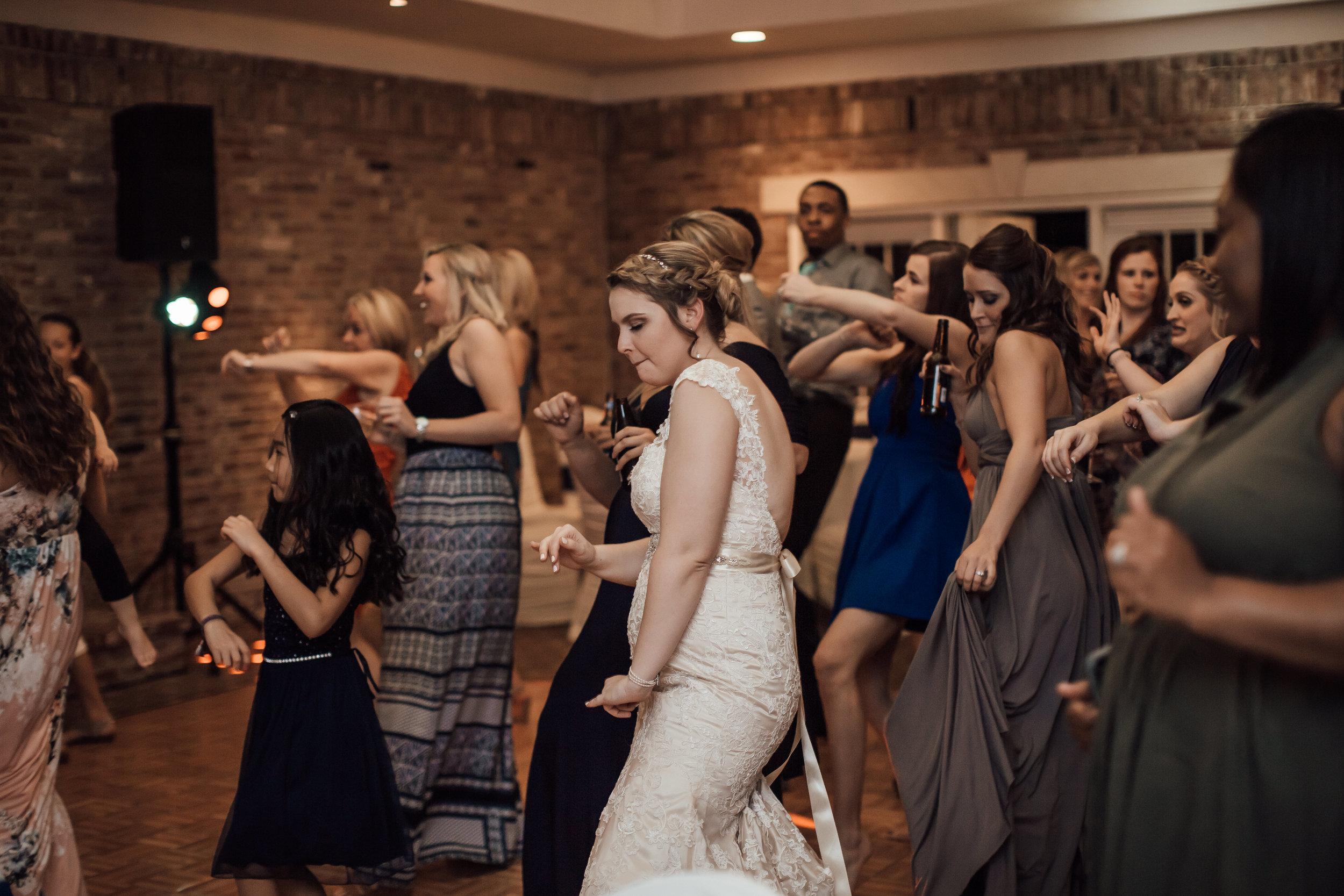 cassie-cook-photography-bonne-terre-wedding-murrell-wedding-414.jpg