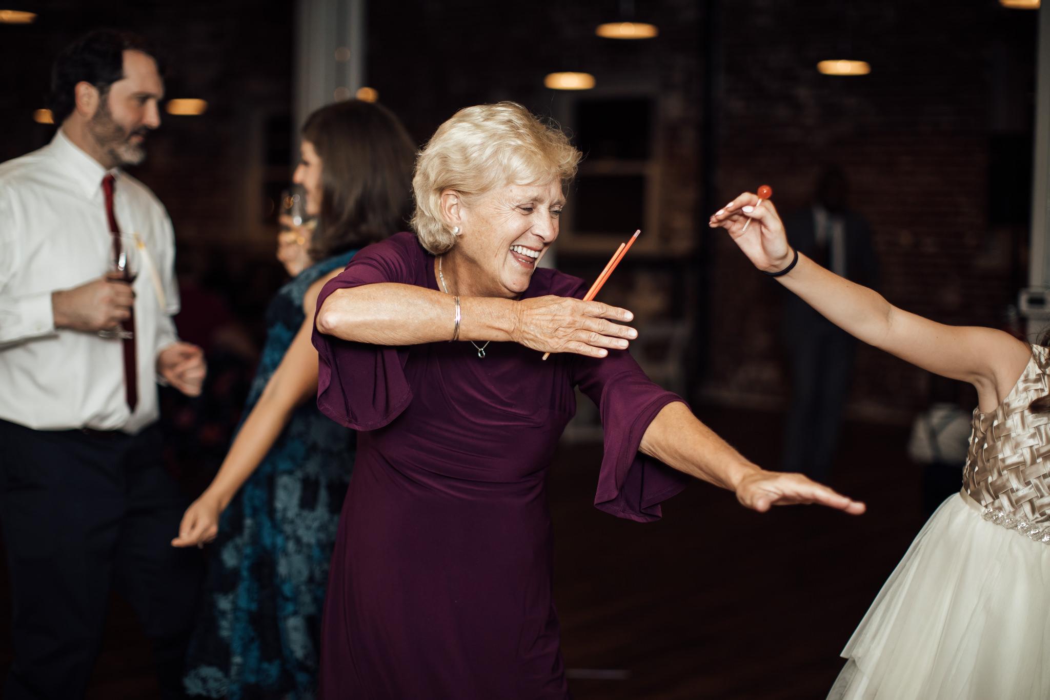 fall-engagement-photoshoot-cassie-cook-photography-memphis-wedding-photographer-27.jpg