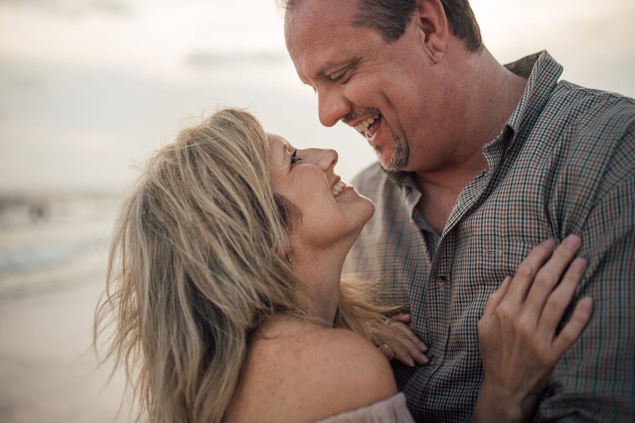 cassie-cook-photography-santa-rosa-beach-florida-couples-session-beach-photography-550.jpg