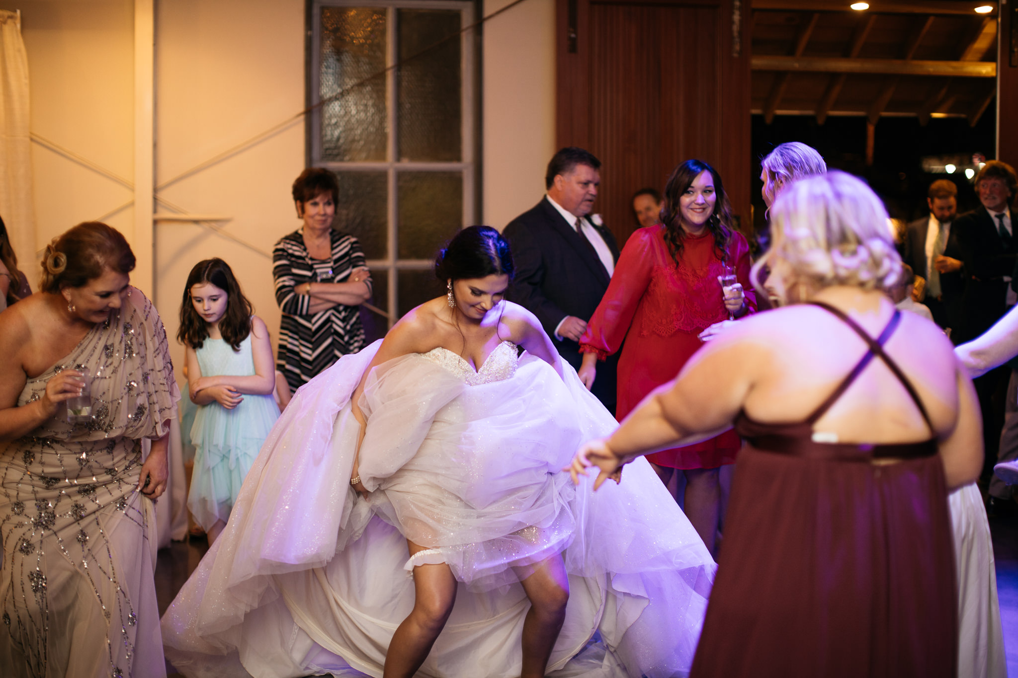 memphis-wedding-photographer-the-warmth-around-you-best-dance-moves-5.jpg