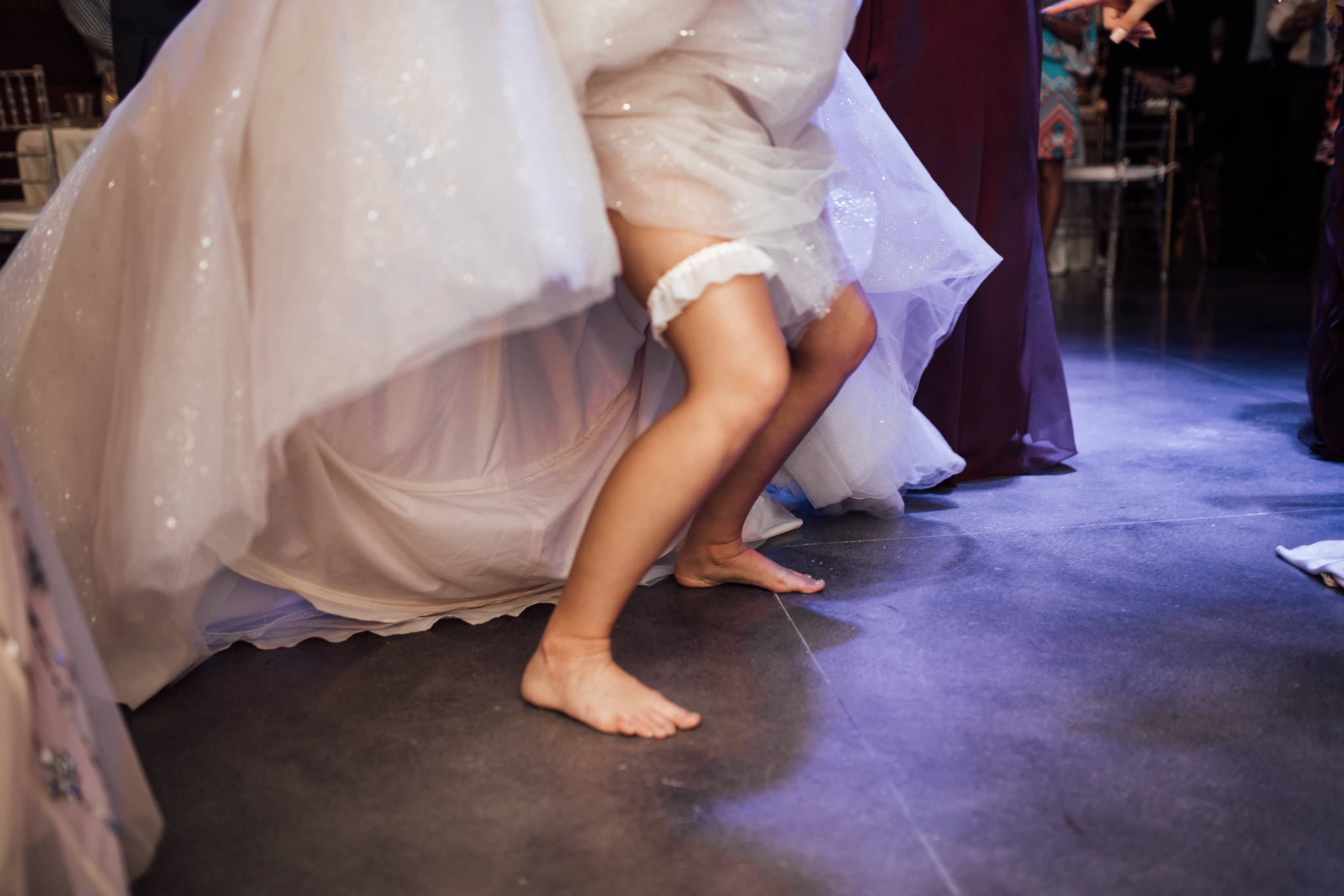 memphis-wedding-photographer-the-warmth-around-you-best-dance-moves-2.jpg