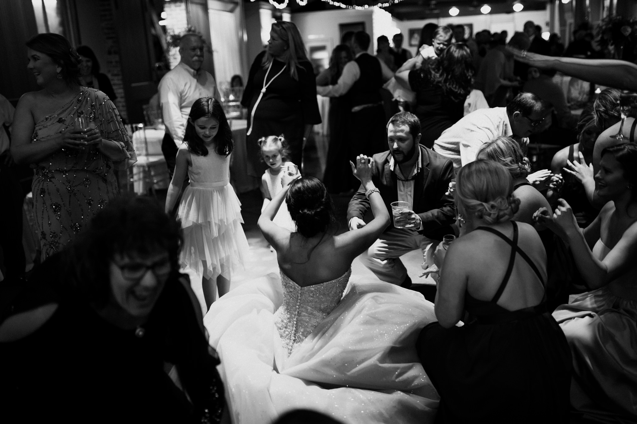 memphis-wedding-photographer-the-warmth-around-you-best-dance-moves-1.jpg