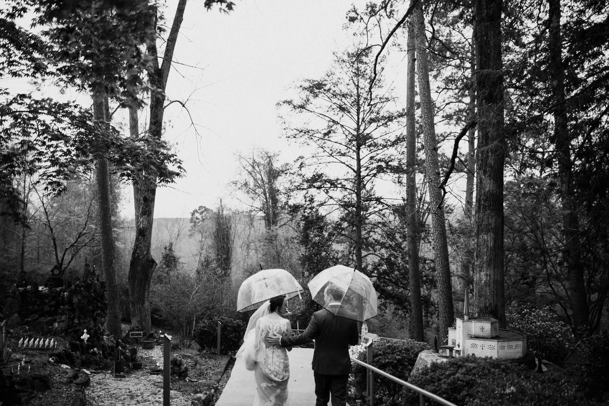 birmingham-alabama-wedding-photographer-laura-terry-the-warmth-around-you (59 of 110).jpg