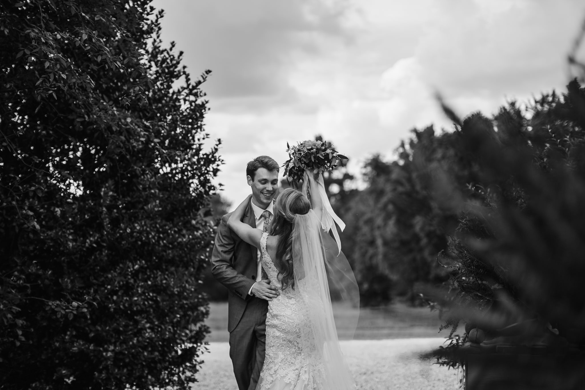 cassie-cook-photography-memphis-wedding-photographer-hedge-farm-wedding-venue-271.jpg