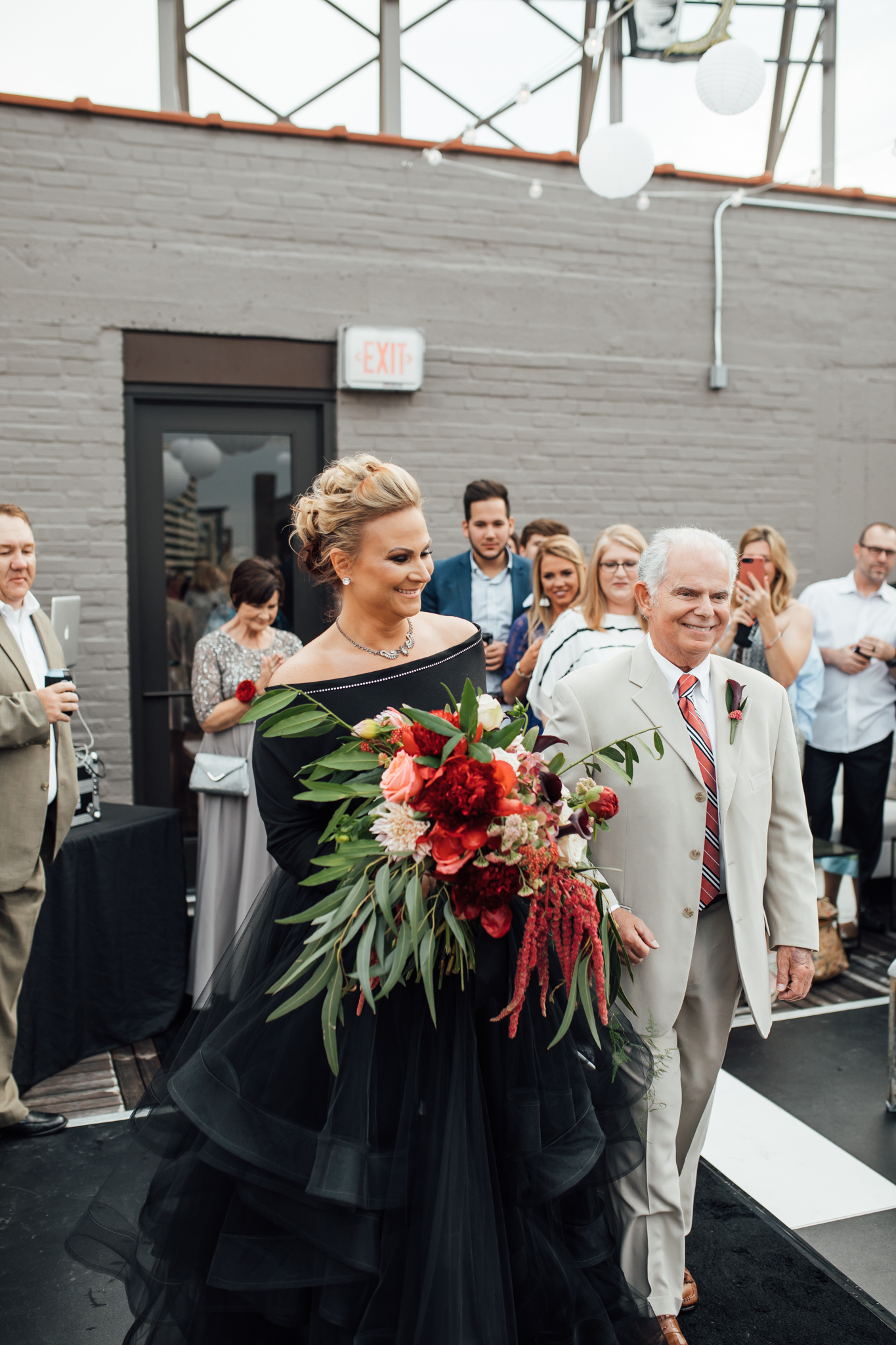 thewarmtharoundyou-old-dominicks-distillery-downtown-rooftop-wedding-memphis (105 of 281).jpg