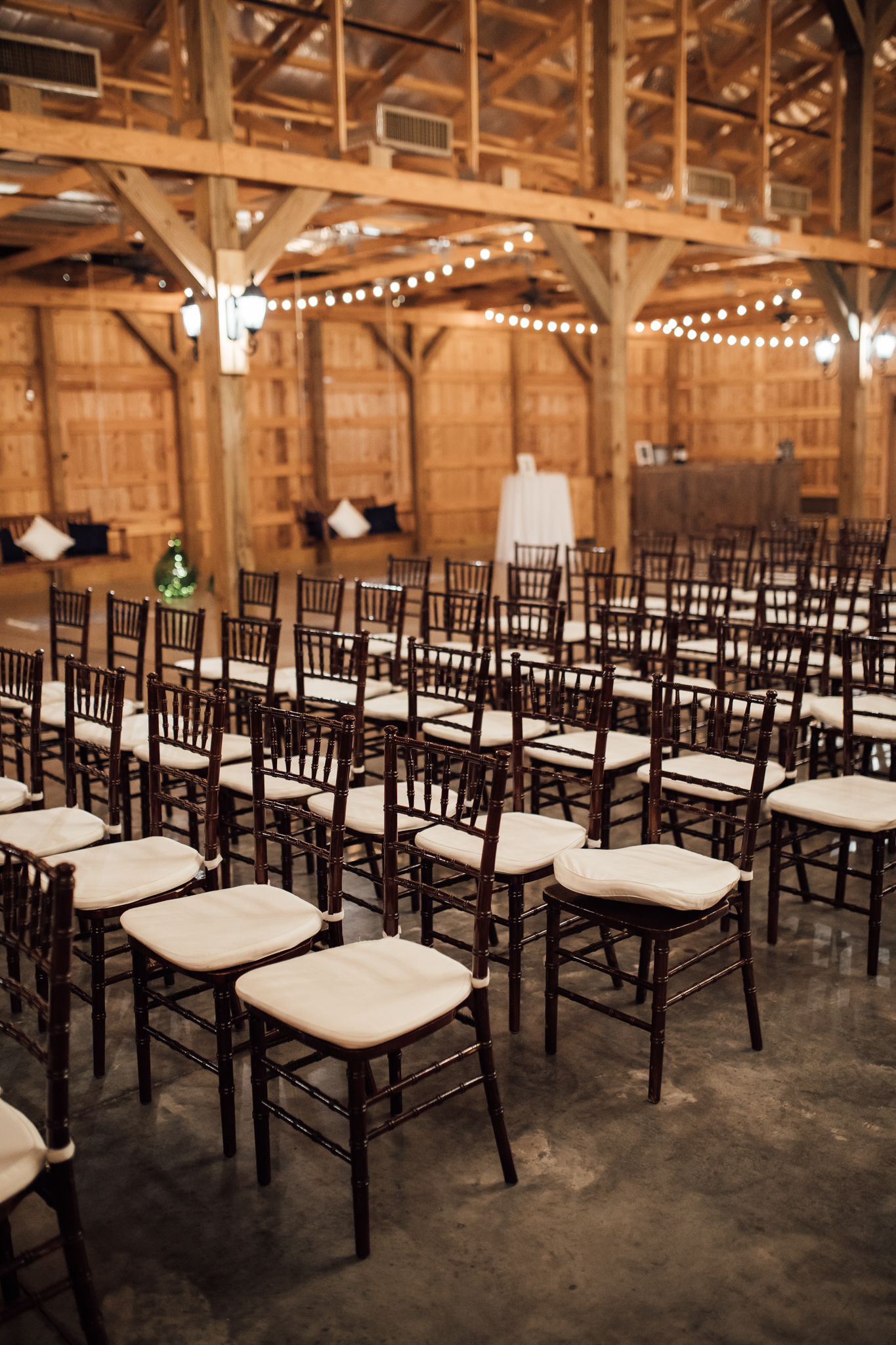 thewarmtharoundyou-murfreesboro-wedding-photographer-saddlewoodsfarms (180 of 121).jpg