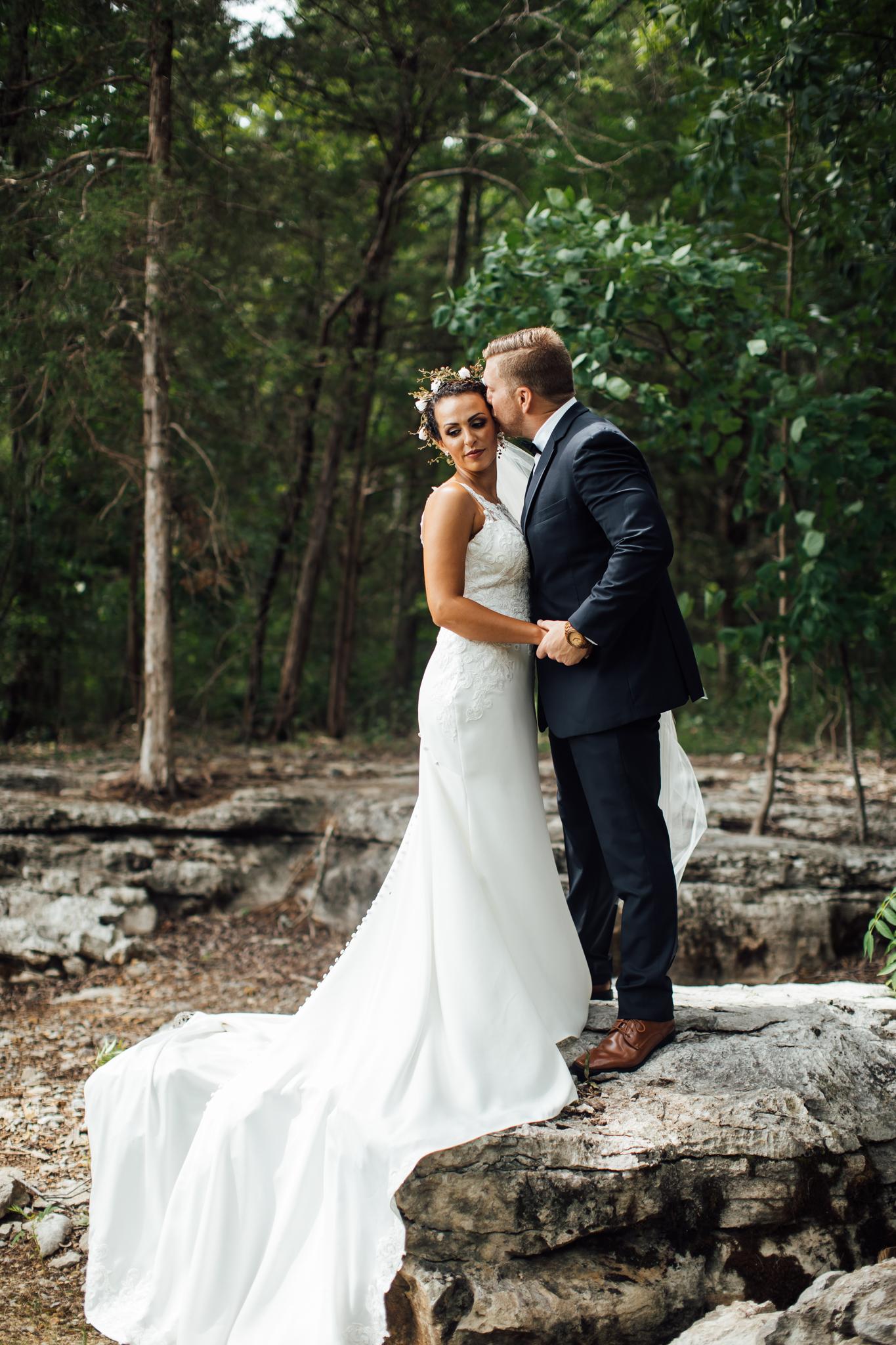 thewarmtharoundyou-murfreesboro-wedding-photographer-saddlewoodsfarms (132 of 121).jpg