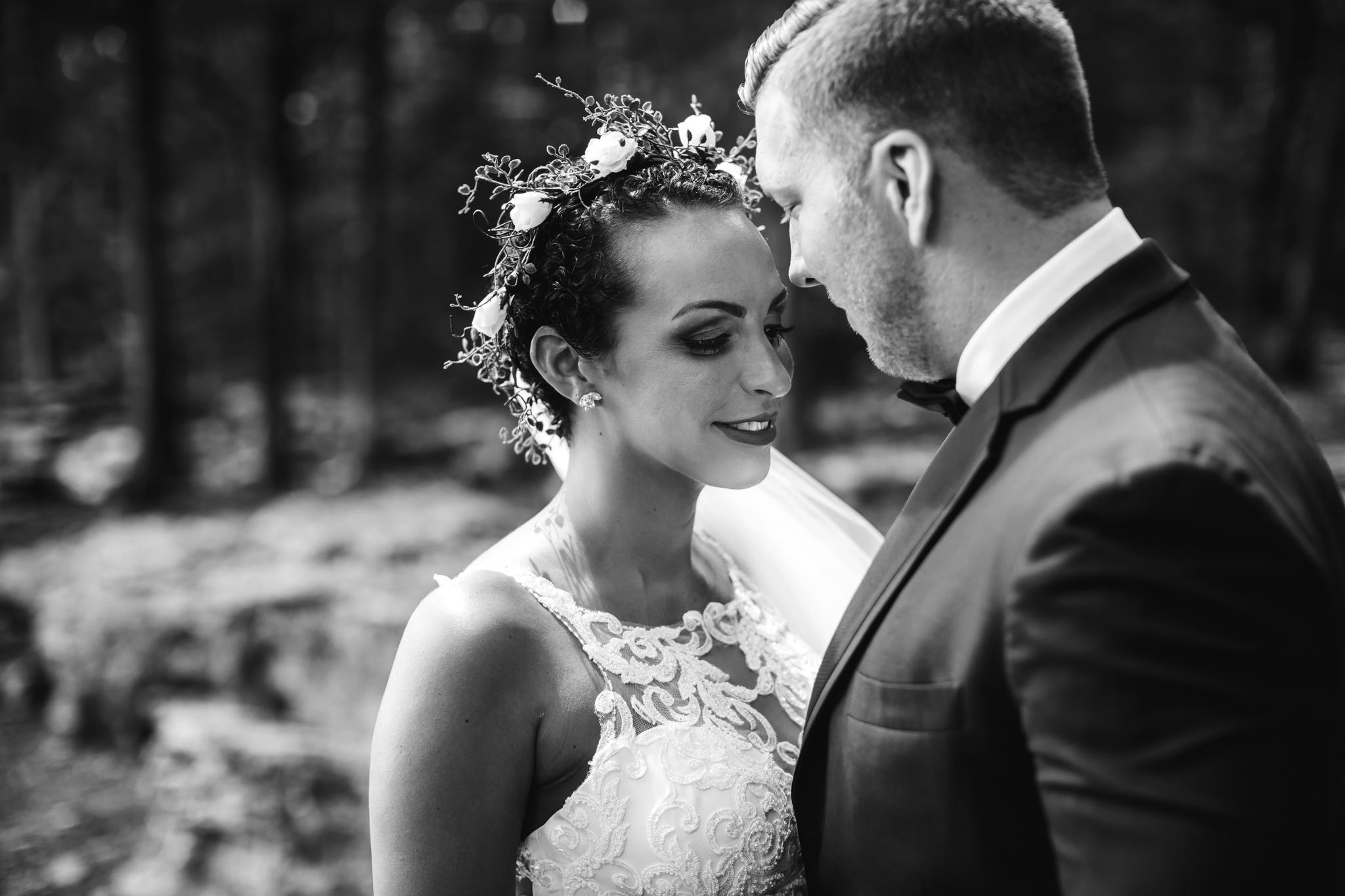 thewarmtharoundyou-murfreesboro-wedding-photographer-saddlewoodsfarms (134 of 121).jpg