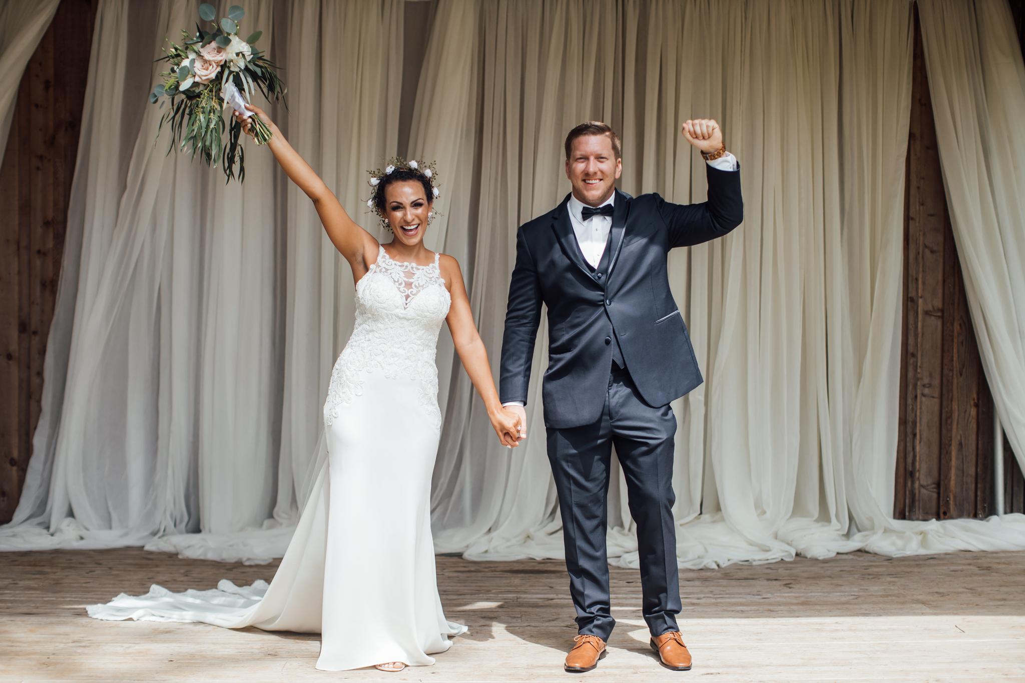 thewarmtharoundyou-murfreesboro-wedding-photographer-saddlewoodsfarms (157 of 121).jpg