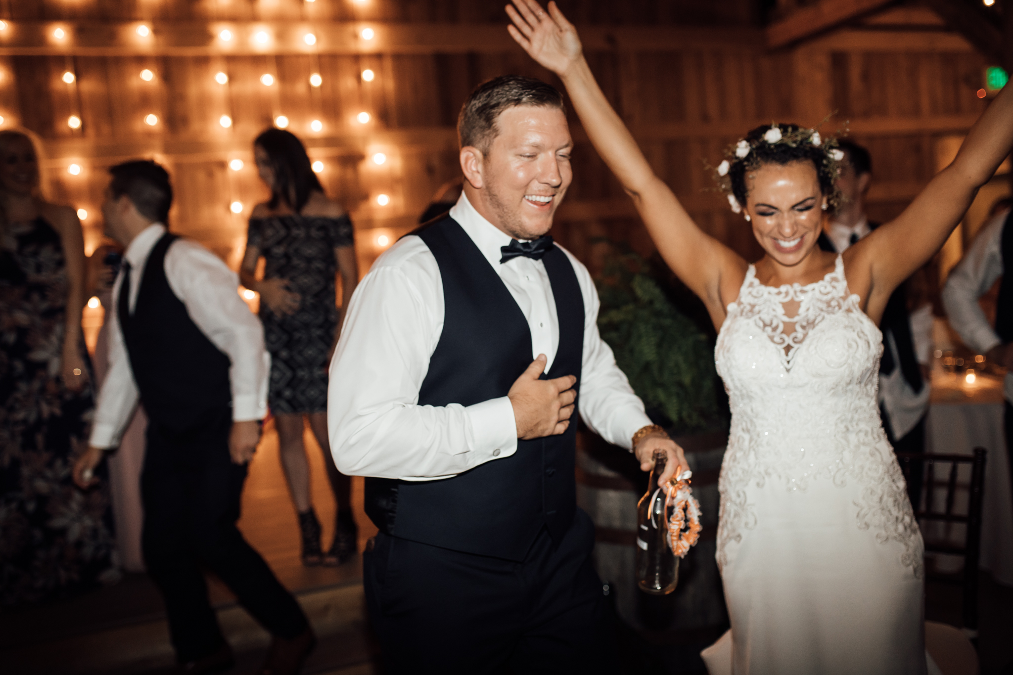 thewarmtharoundyou-murfreesboro-wedding-photographer-saddlewoodsfarms (293 of 59).jpg