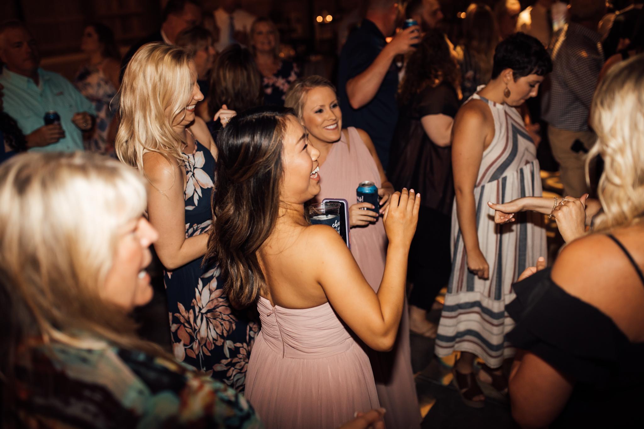 thewarmtharoundyou-murfreesboro-wedding-photographer-saddlewoodsfarms (266 of 59).jpg