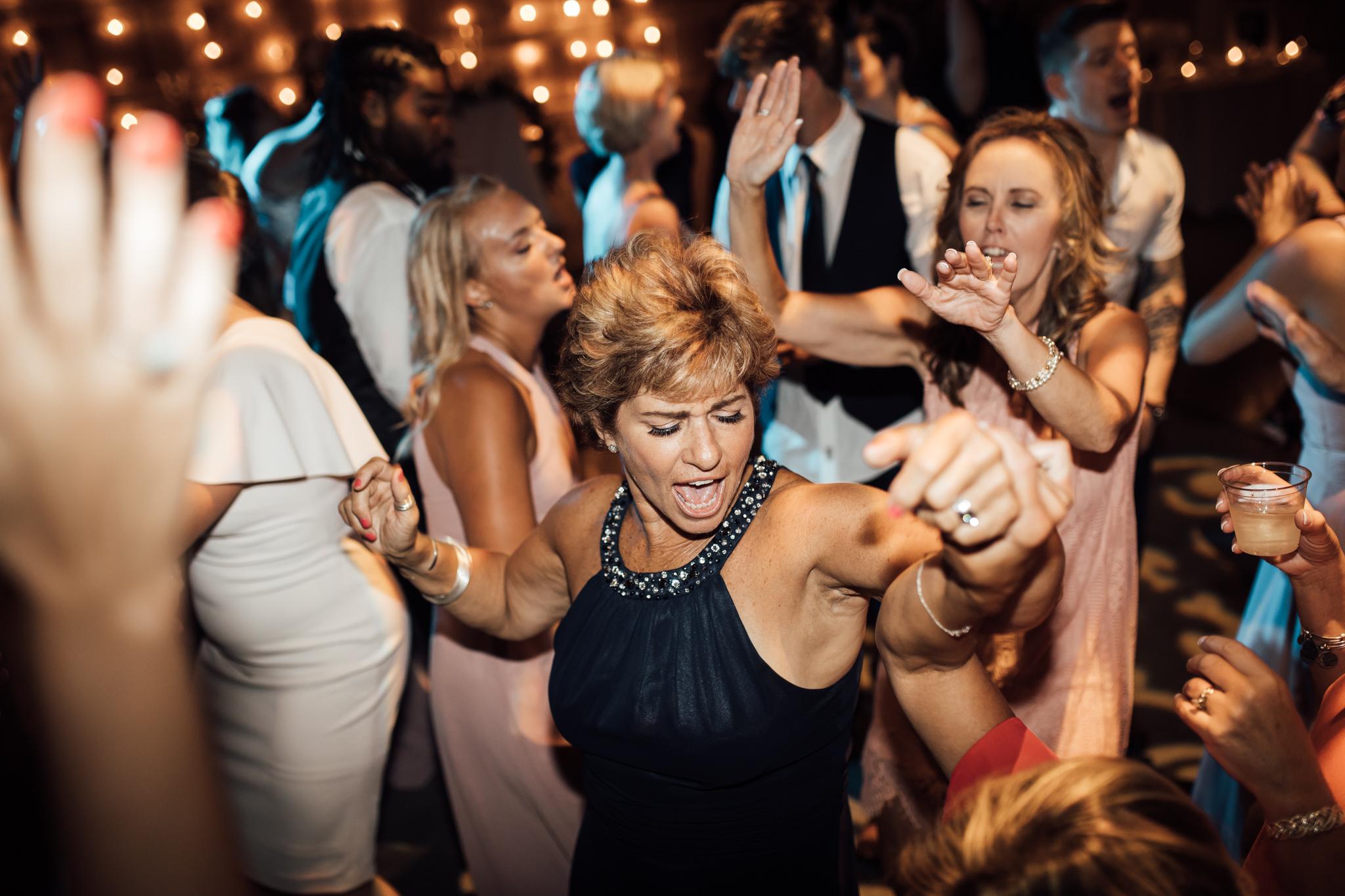 thewarmtharoundyou-murfreesboro-wedding-photographer-saddlewoodsfarms (273 of 59).jpg