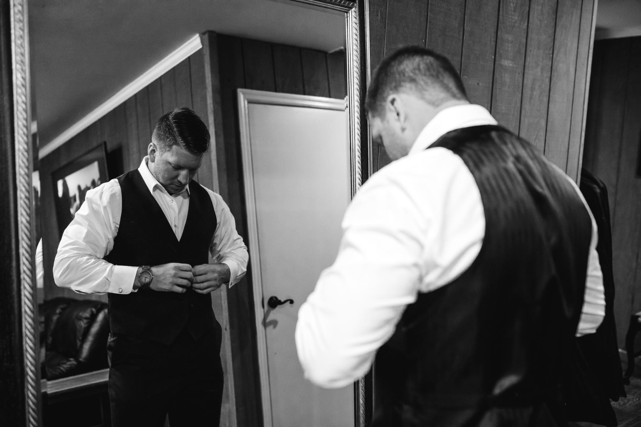 saddlewoodsfarms-nashville-wedding-photographer-thewarmtharoundyou-rustic-wedding (166 of 251).jpg