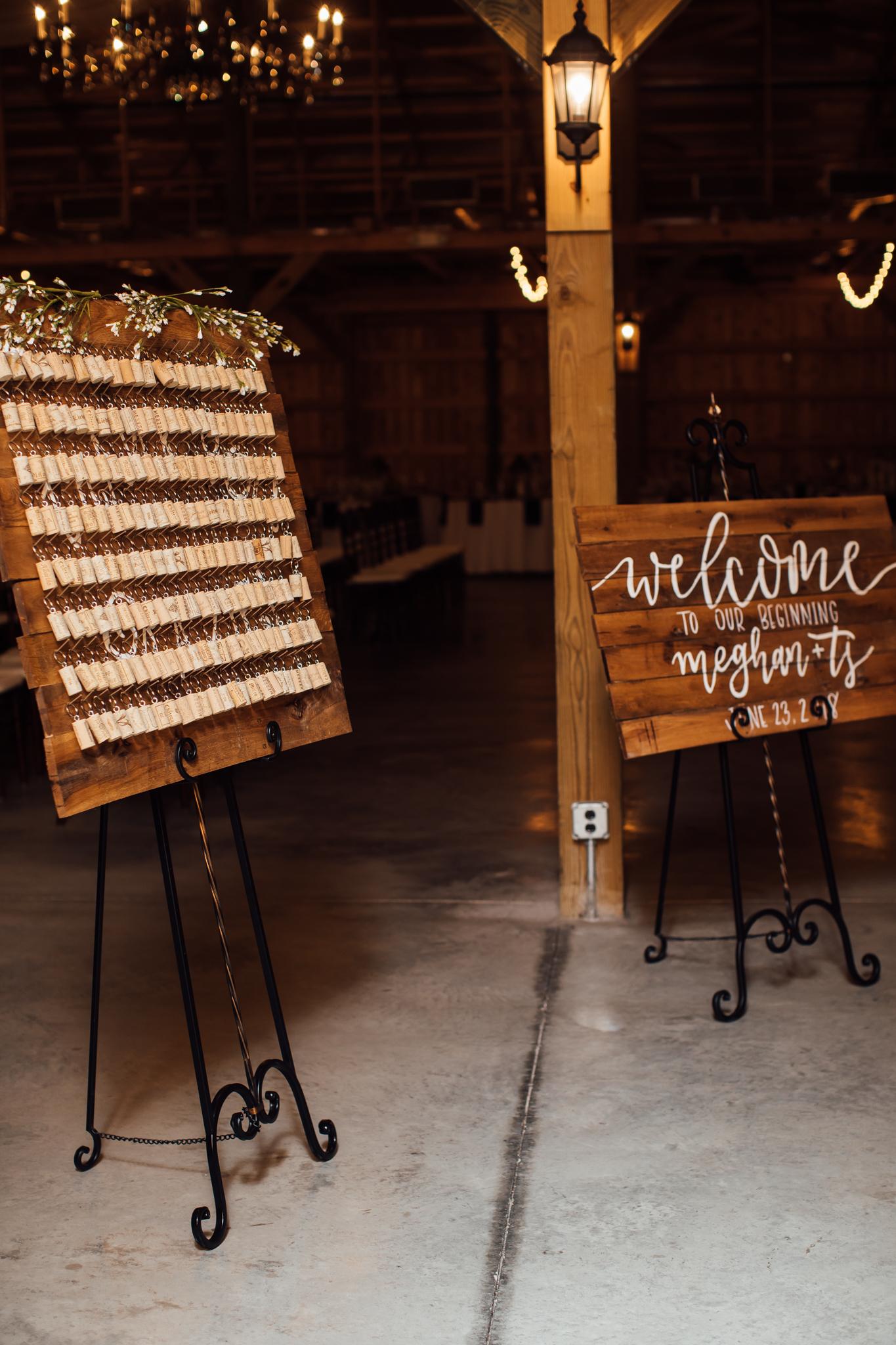 saddlewoodsfarms-nashville-wedding-photographer-thewarmtharoundyou-rustic-wedding (202 of 251).jpg