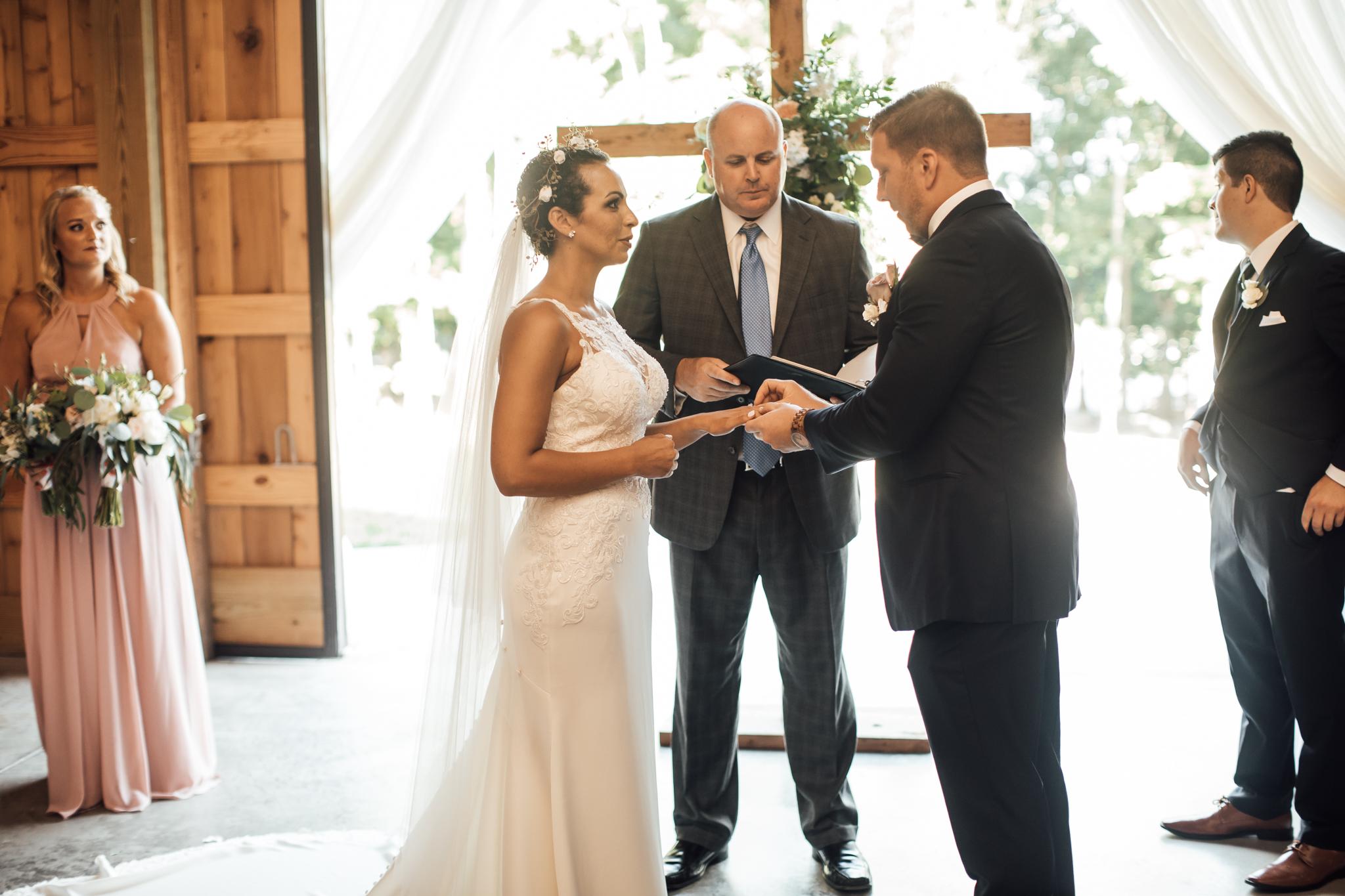 saddlewoodsfarms-nashville-wedding-photographer-thewarmtharoundyou-rustic-wedding (35 of 251).jpg