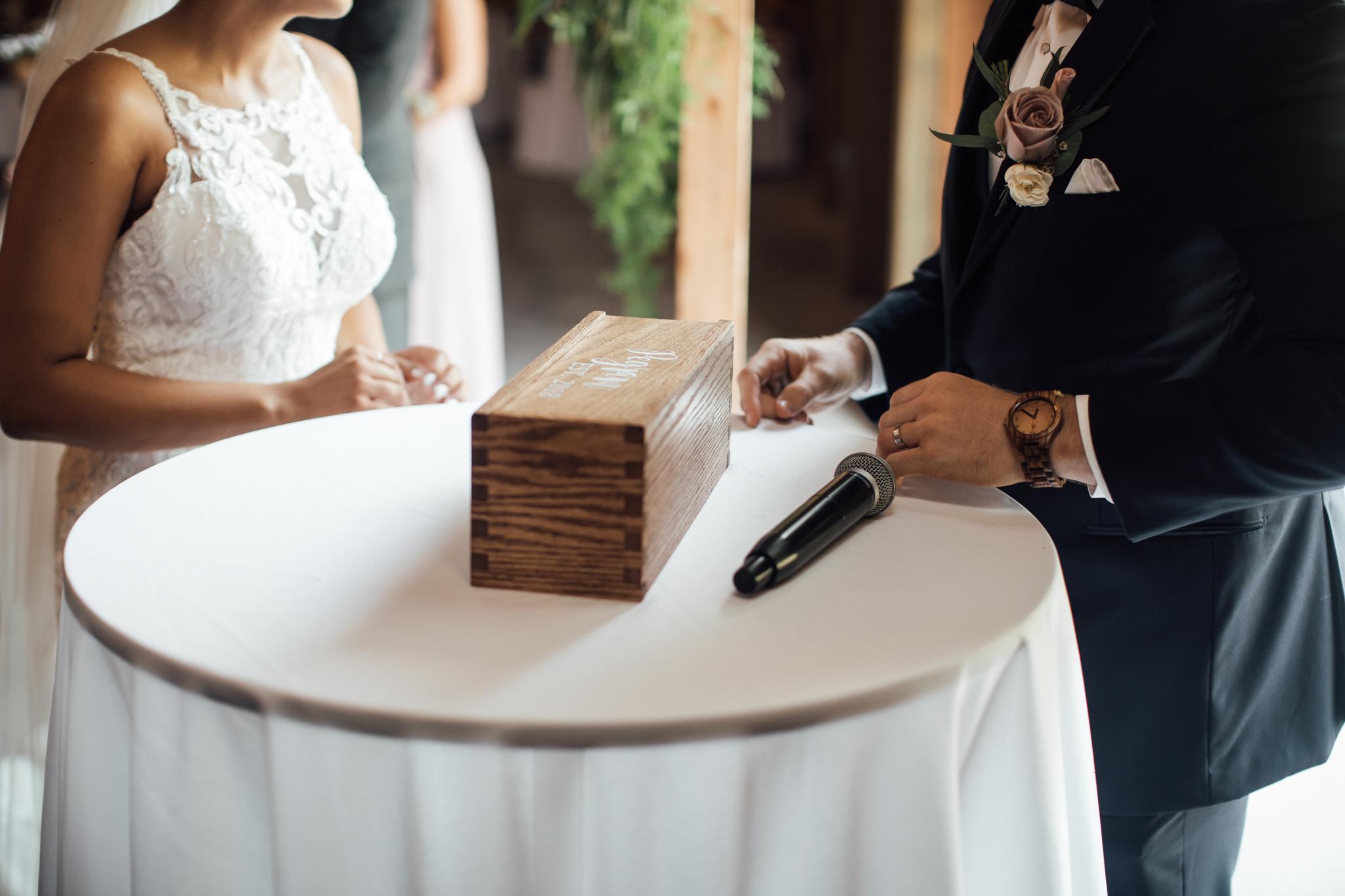saddlewoodsfarms-nashville-wedding-photographer-thewarmtharoundyou-rustic-wedding (39 of 251).jpg