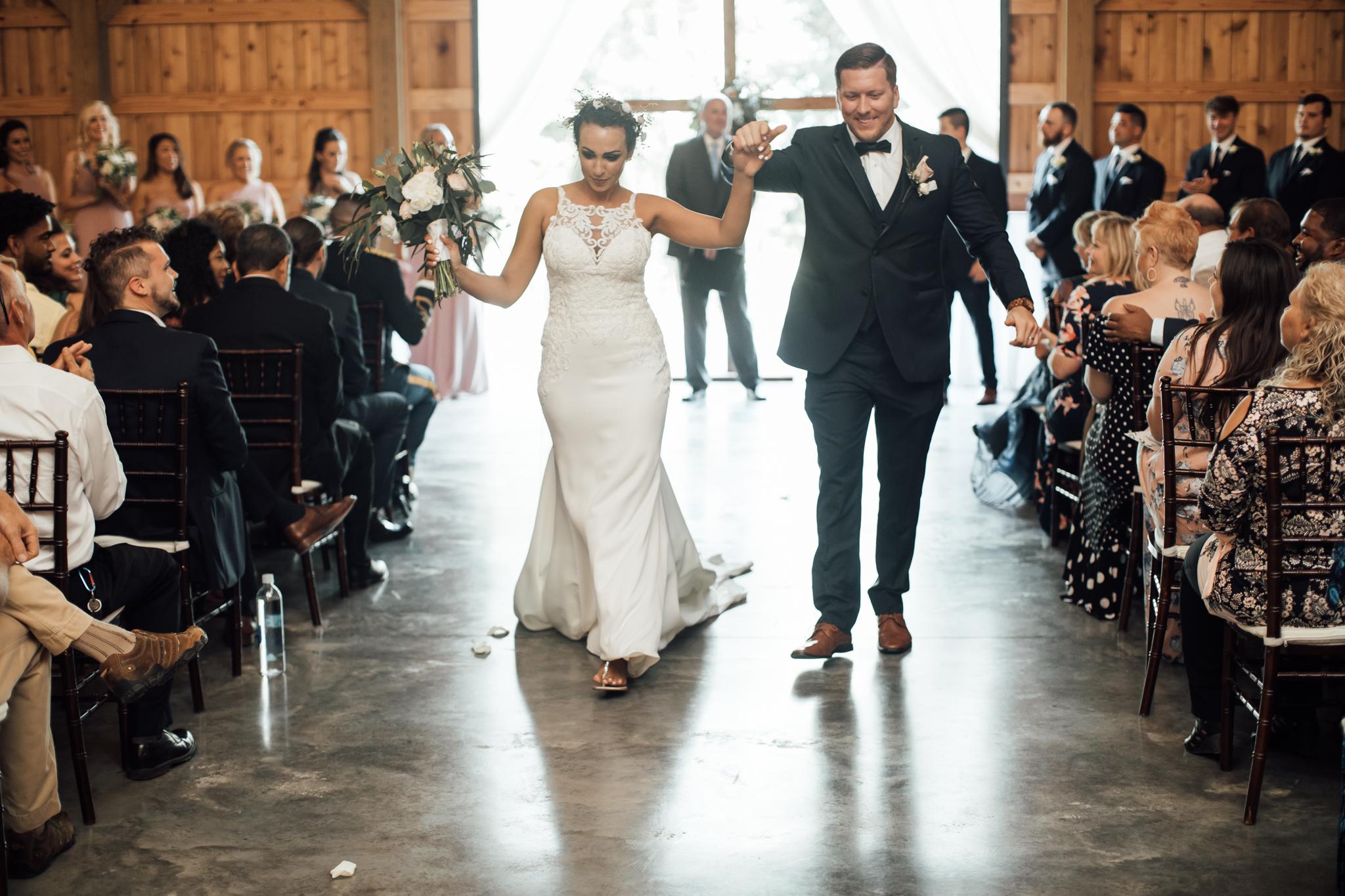 saddlewoodsfarms-nashville-wedding-photographer-thewarmtharoundyou-rustic-wedding (44 of 251).jpg