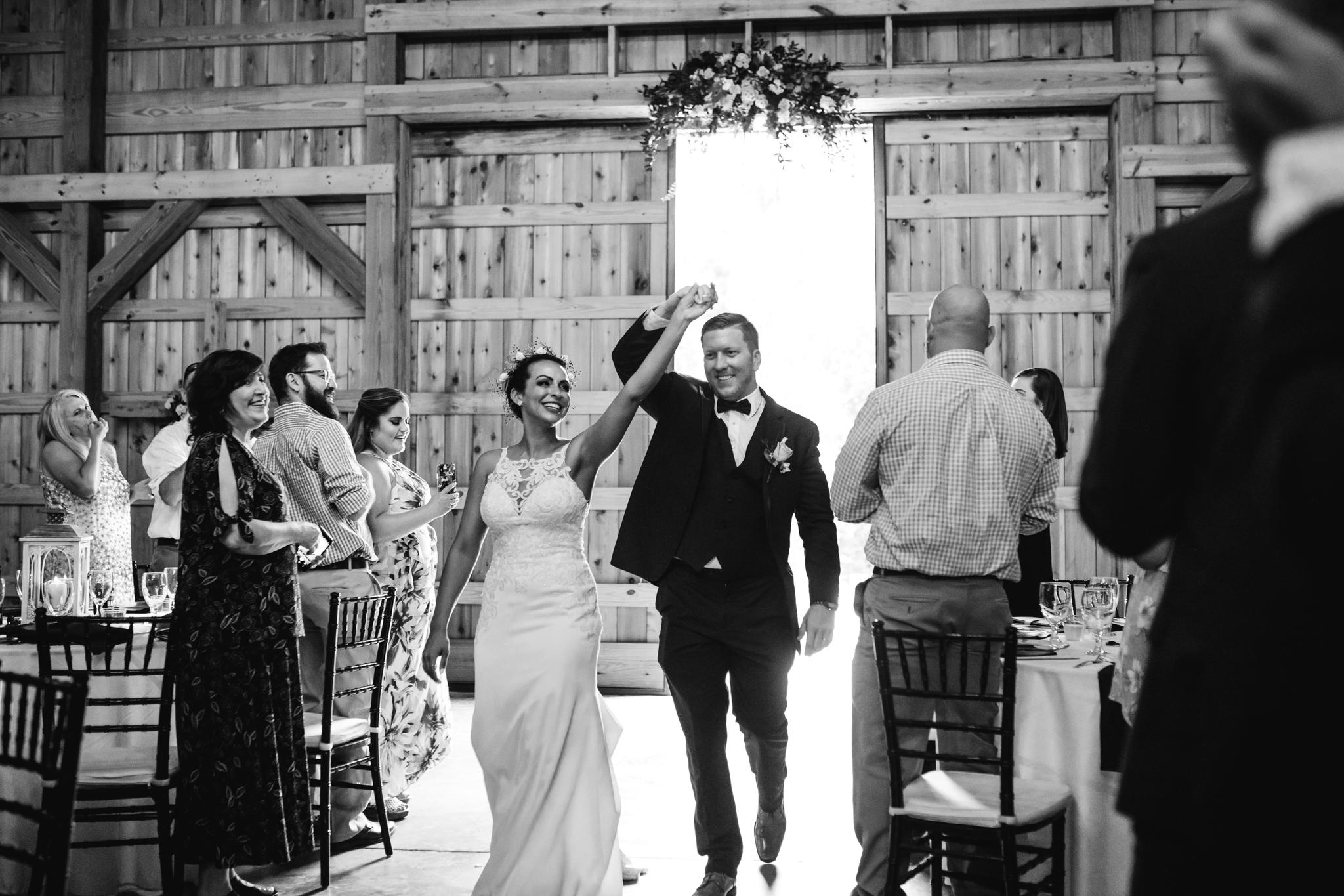saddlewoodsfarms-nashville-wedding-photographer-thewarmtharoundyou-rustic-wedding (209 of 251).jpg