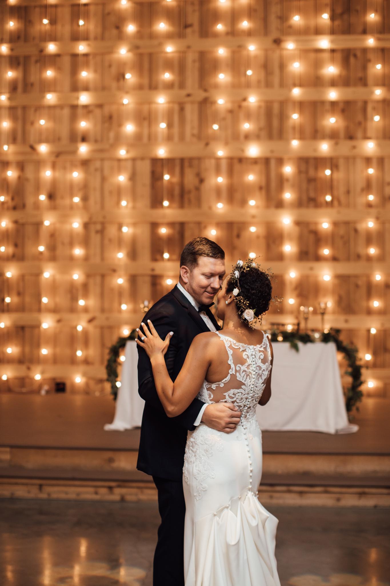 saddlewoodsfarms-nashville-wedding-photographer-thewarmtharoundyou-rustic-wedding (52 of 251).jpg