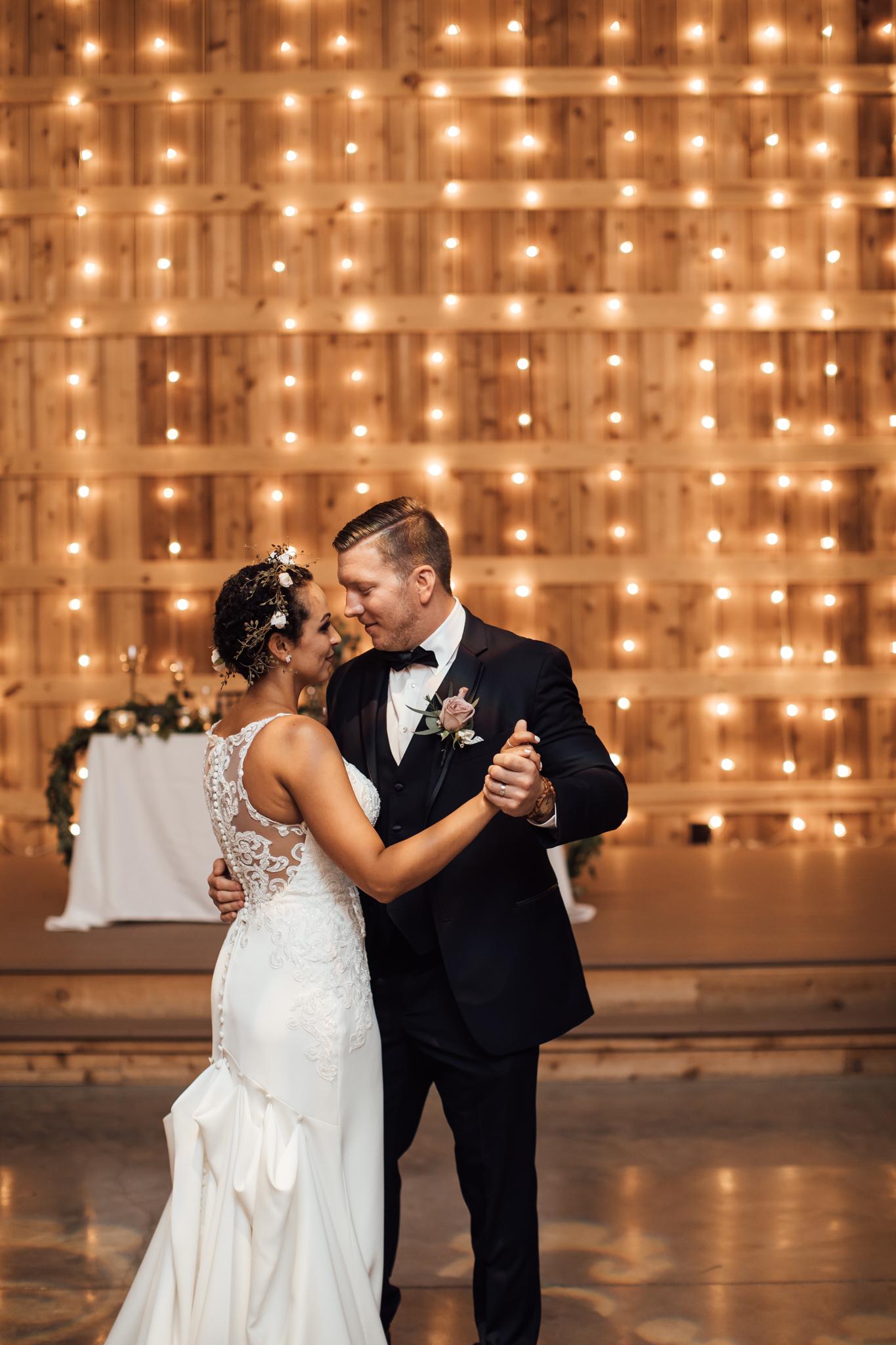 saddlewoodsfarms-nashville-wedding-photographer-thewarmtharoundyou-rustic-wedding (54 of 251).jpg