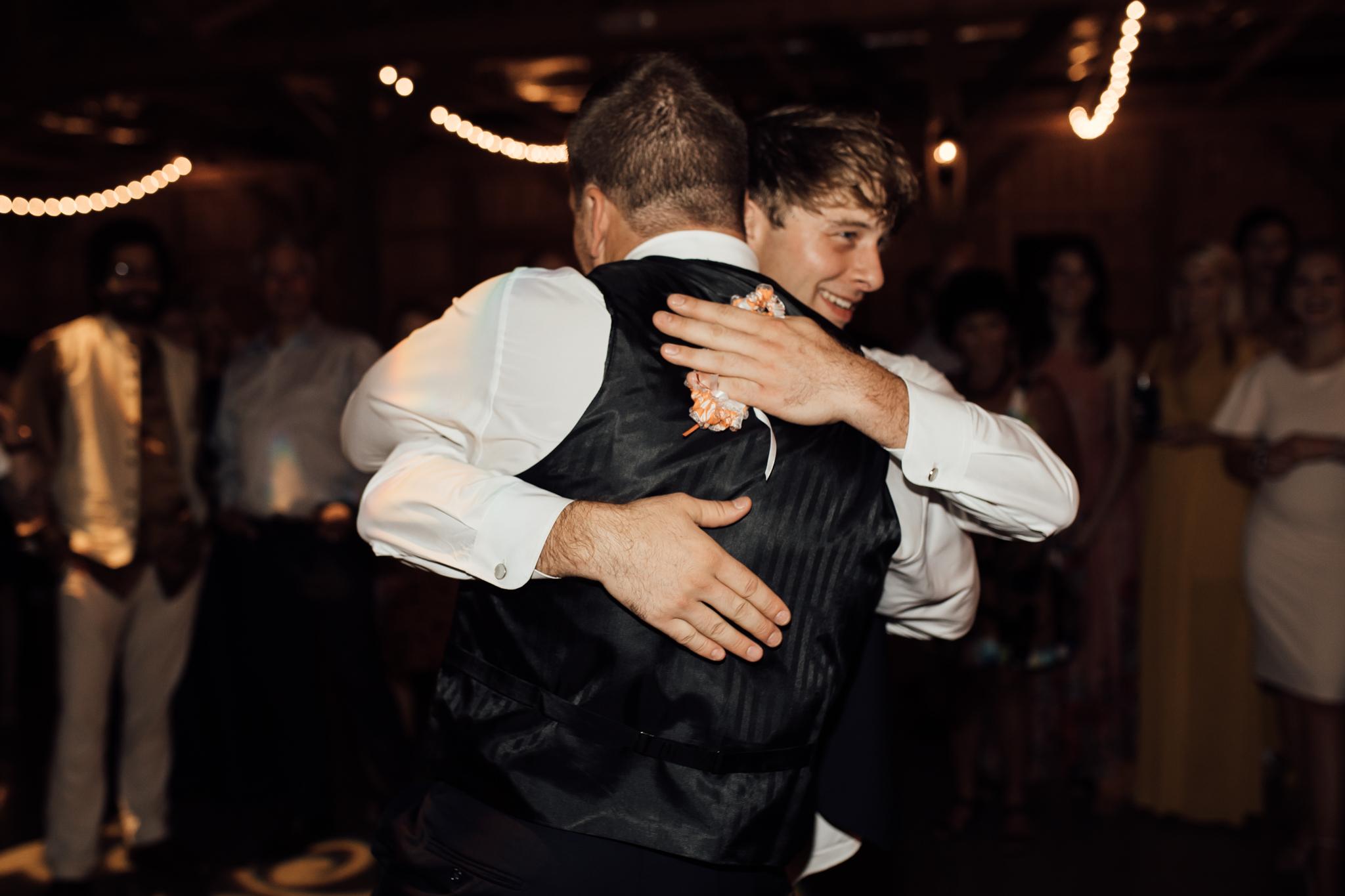 saddlewoodsfarms-nashville-wedding-photographer-thewarmtharoundyou-rustic-wedding (238 of 251).jpg