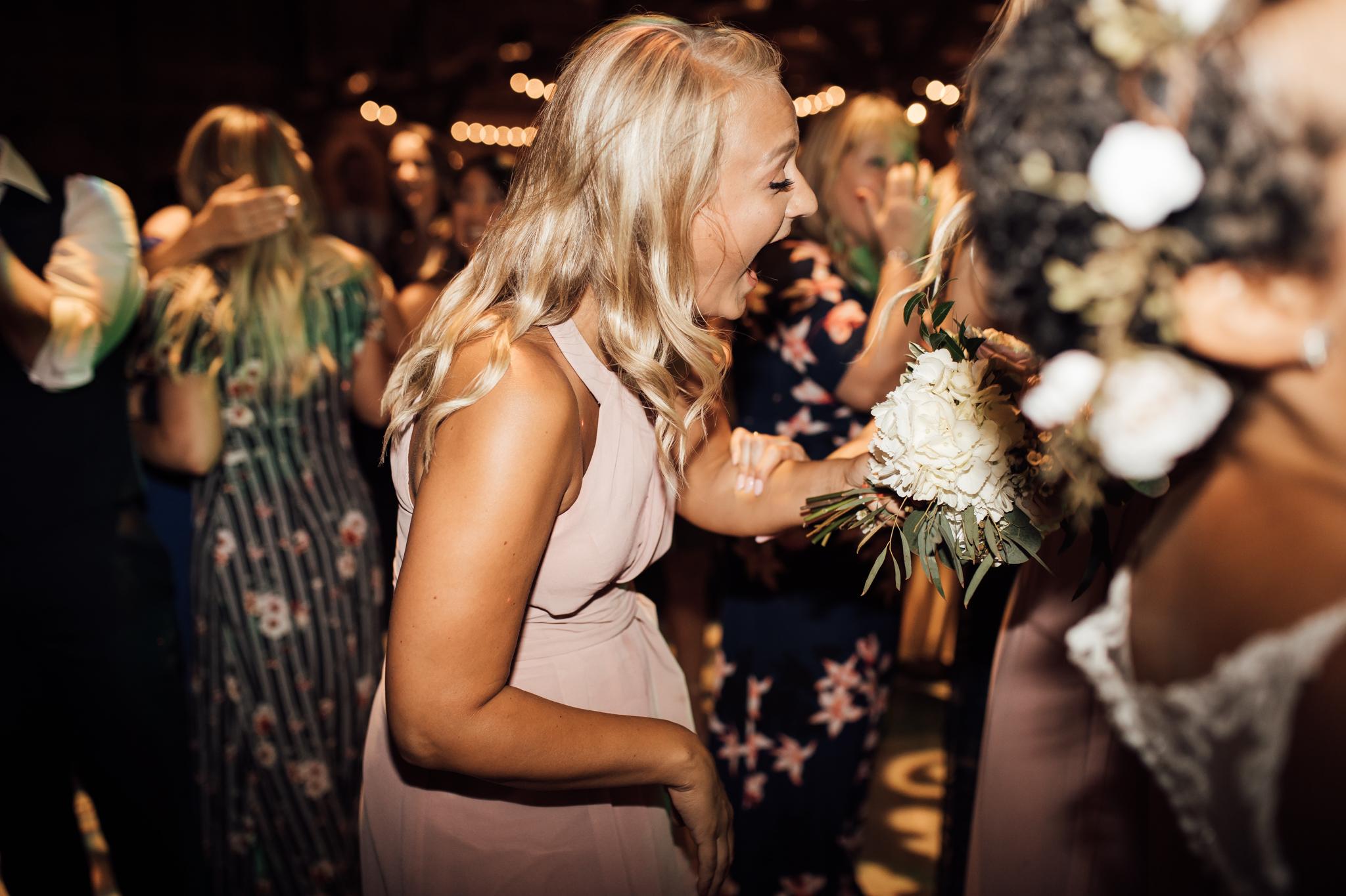 saddlewoodsfarms-nashville-wedding-photographer-thewarmtharoundyou-rustic-wedding (120 of 251).jpg
