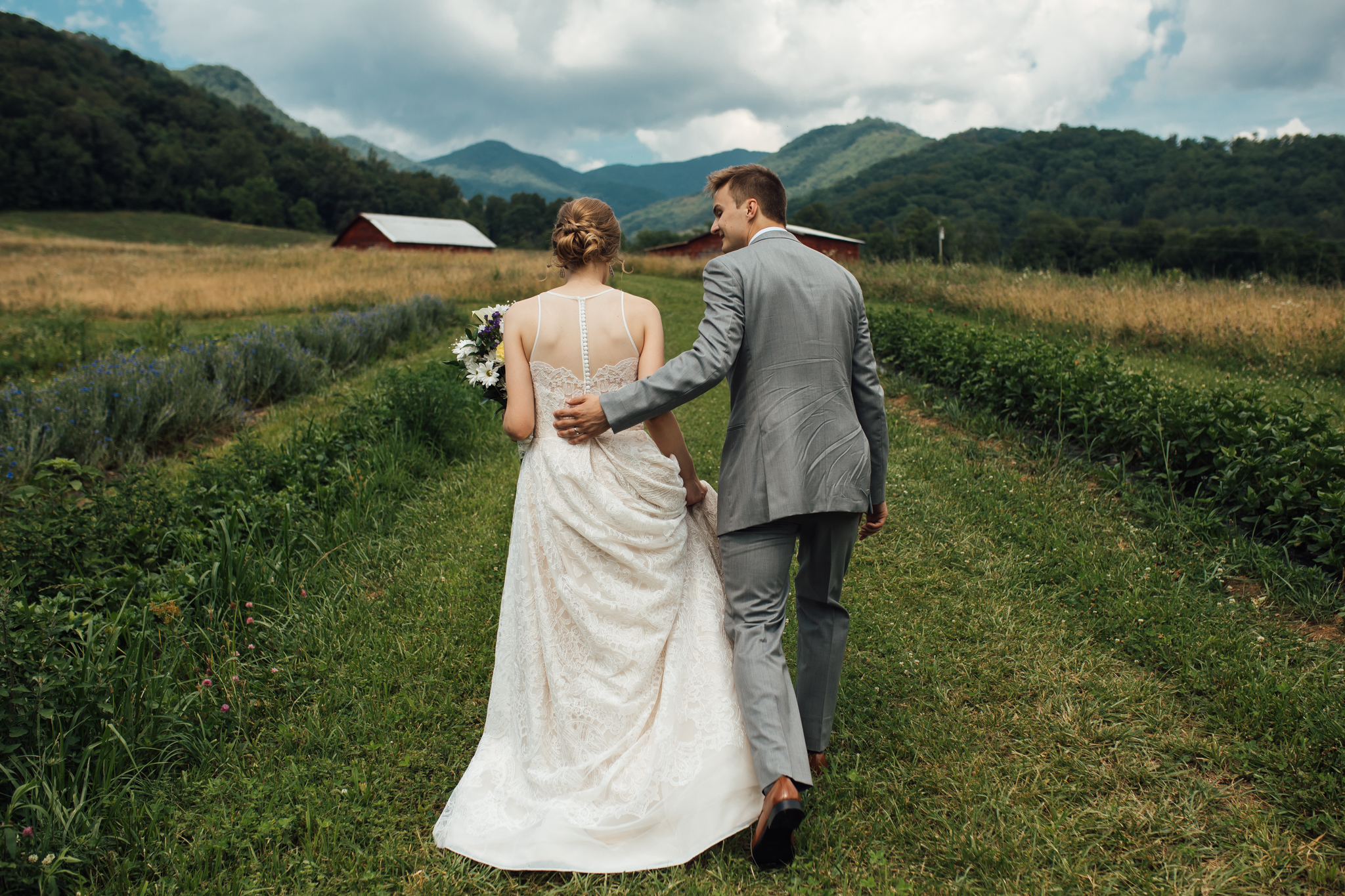 ashville-wedding-photographers-thewarmtharoundyou--backyard-asheville-wedding-mountain-wedding (63 of 244).jpg
